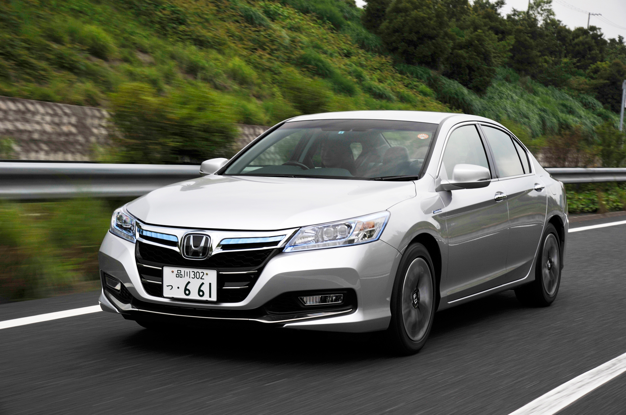 2014 Honda Accord Hybrid Japan Spec First Drive