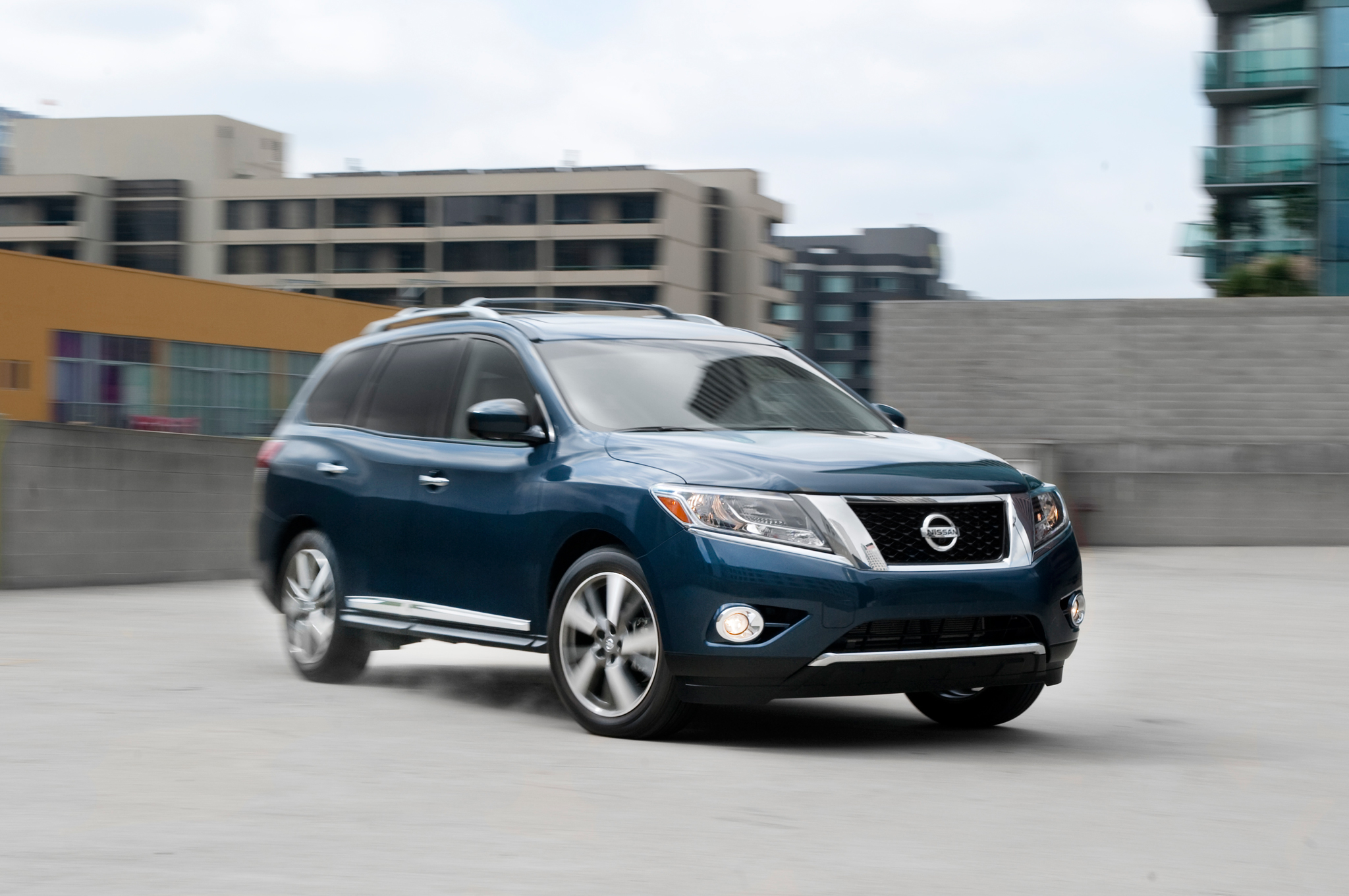 Perfect 2013 Nissan Pathfinder Platinum Arrival