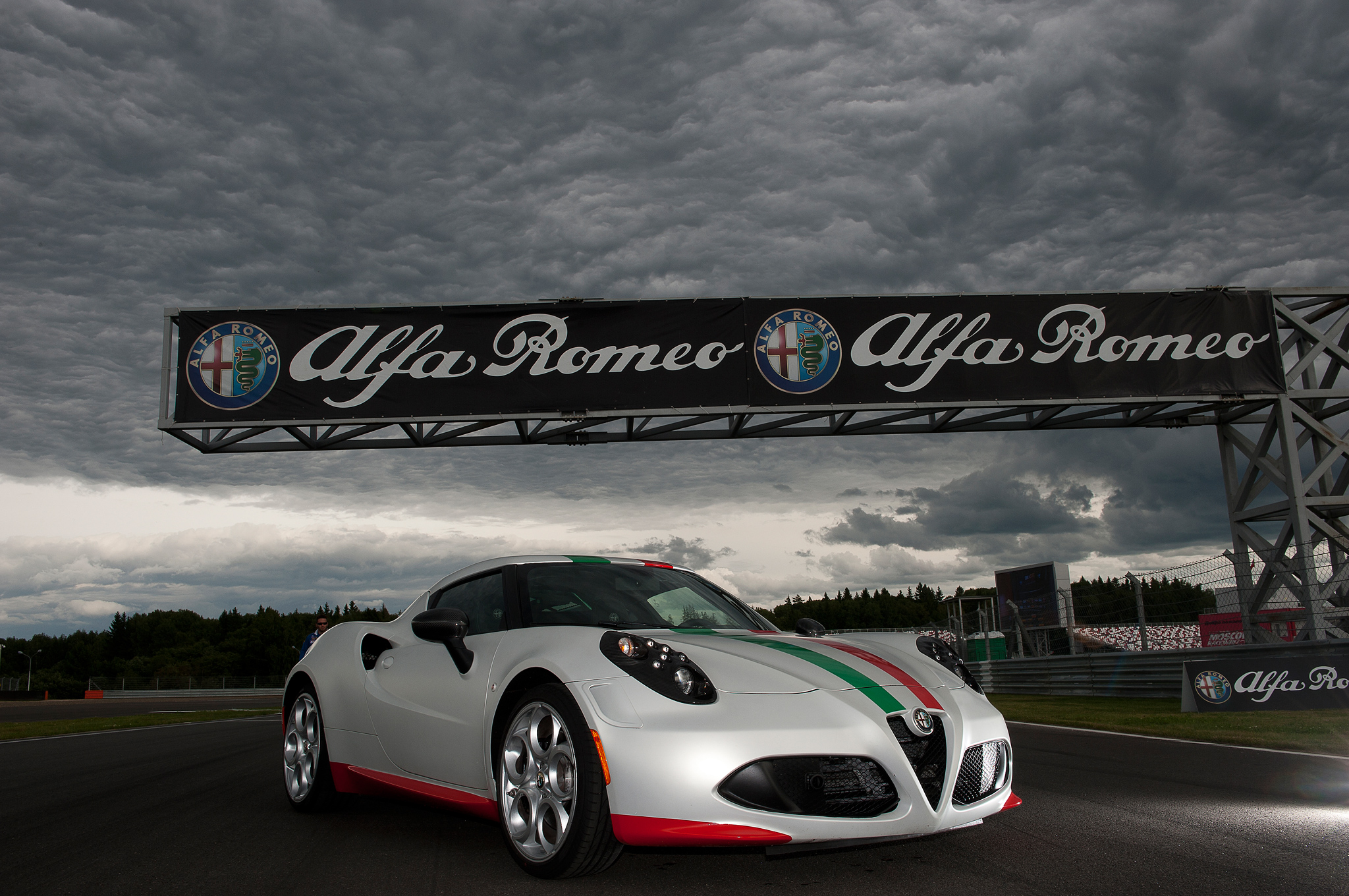 u.s.-spec alfa romeo 4c to weigh 220 pounds more than euro-spec
