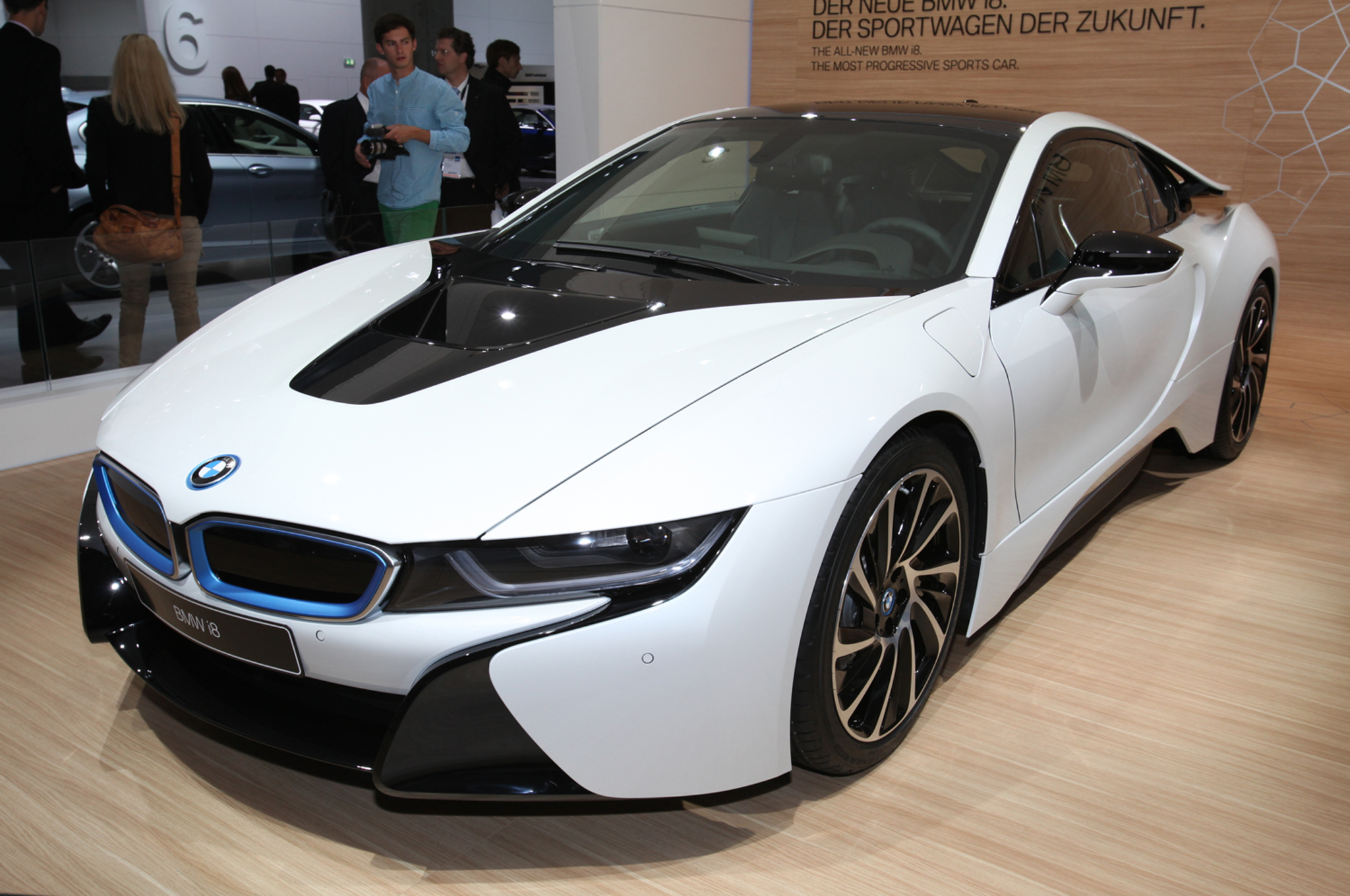 מגניב ביותר UPDATE: 2014 BMW i8 Priced at $136,625, Production Images Revealed IW-61