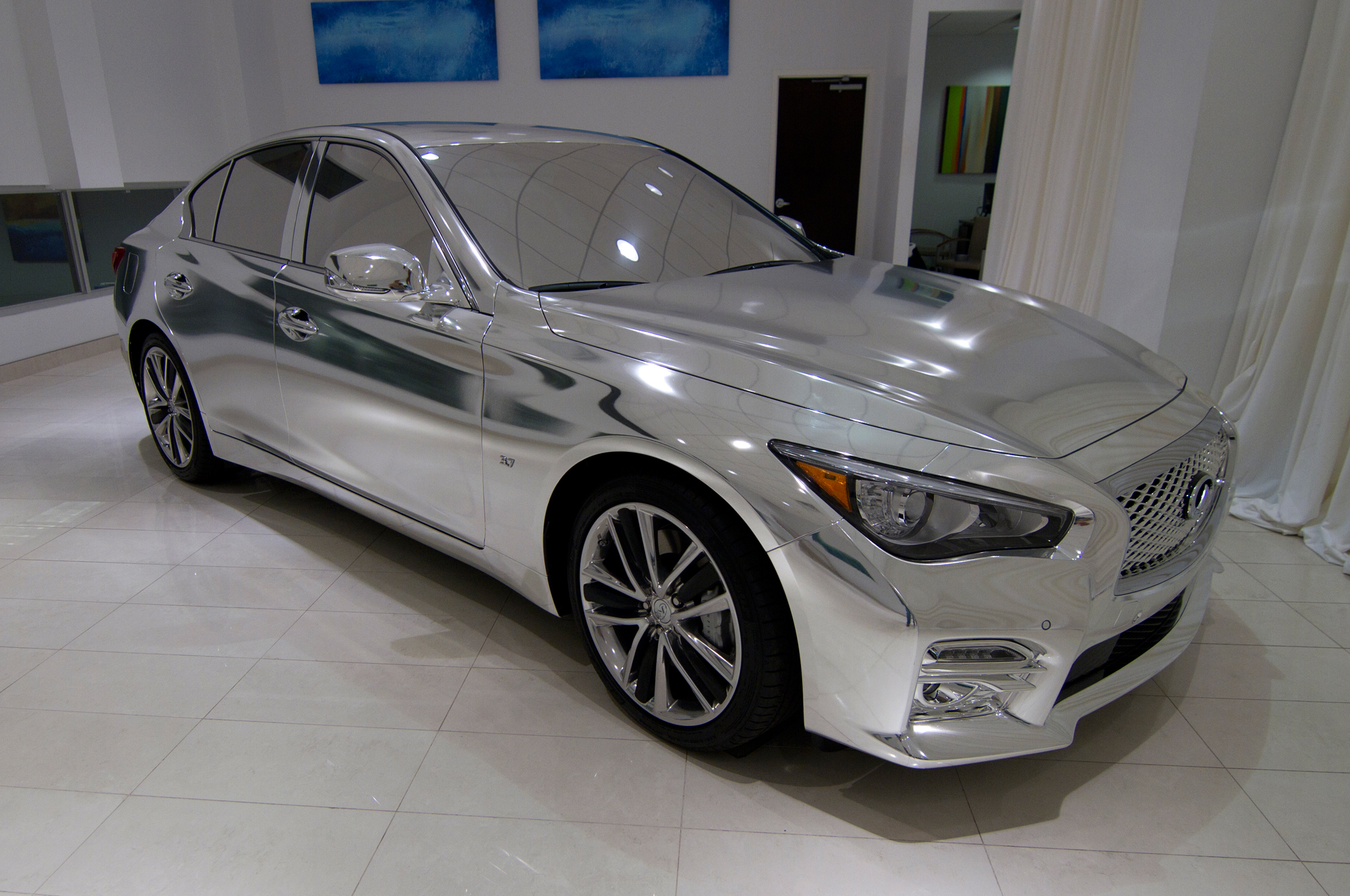 2014 Infiniti Q50 Meets High Fashion W Video Motor Trend