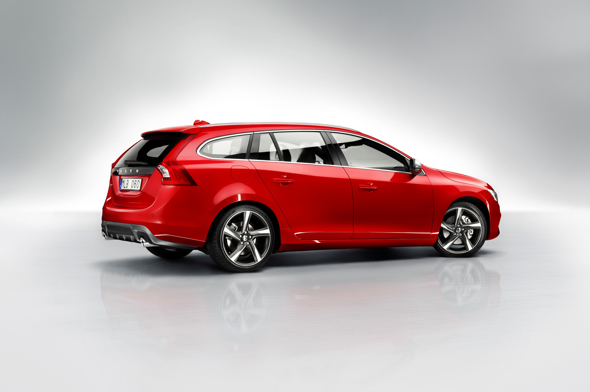 2015 Volvo V60 R Design Will Be Most Powerful Volvo Wagon Ever