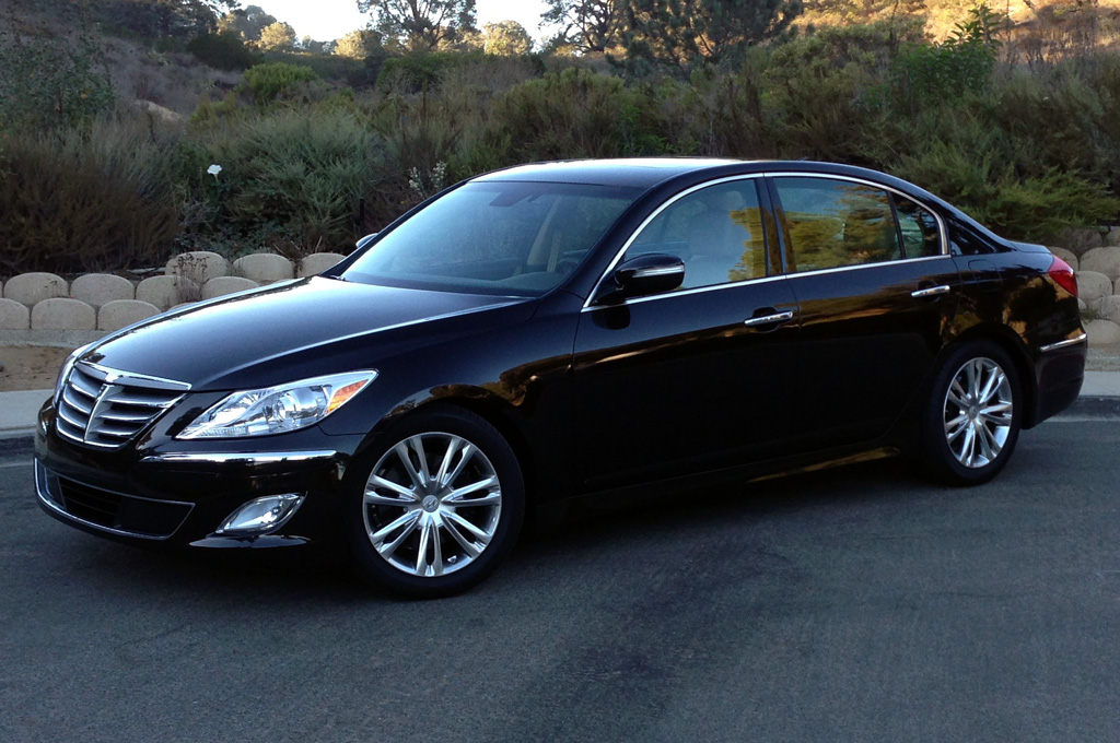 Our Cars: 2013 Hyundai Genesis V 6 Sedan   Purposefully Generic