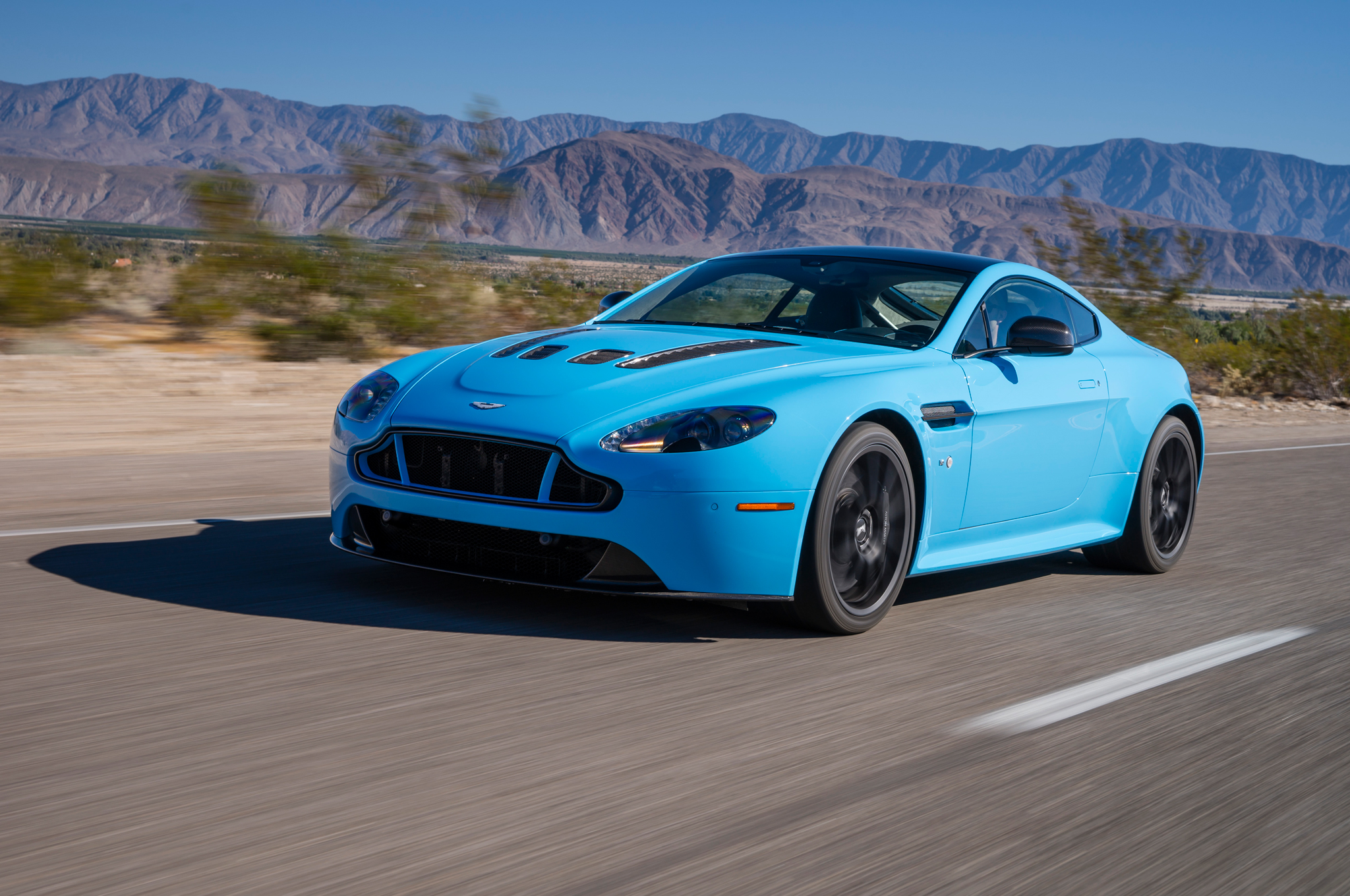 2015 aston martin v12 vantage s first drive - motortrend