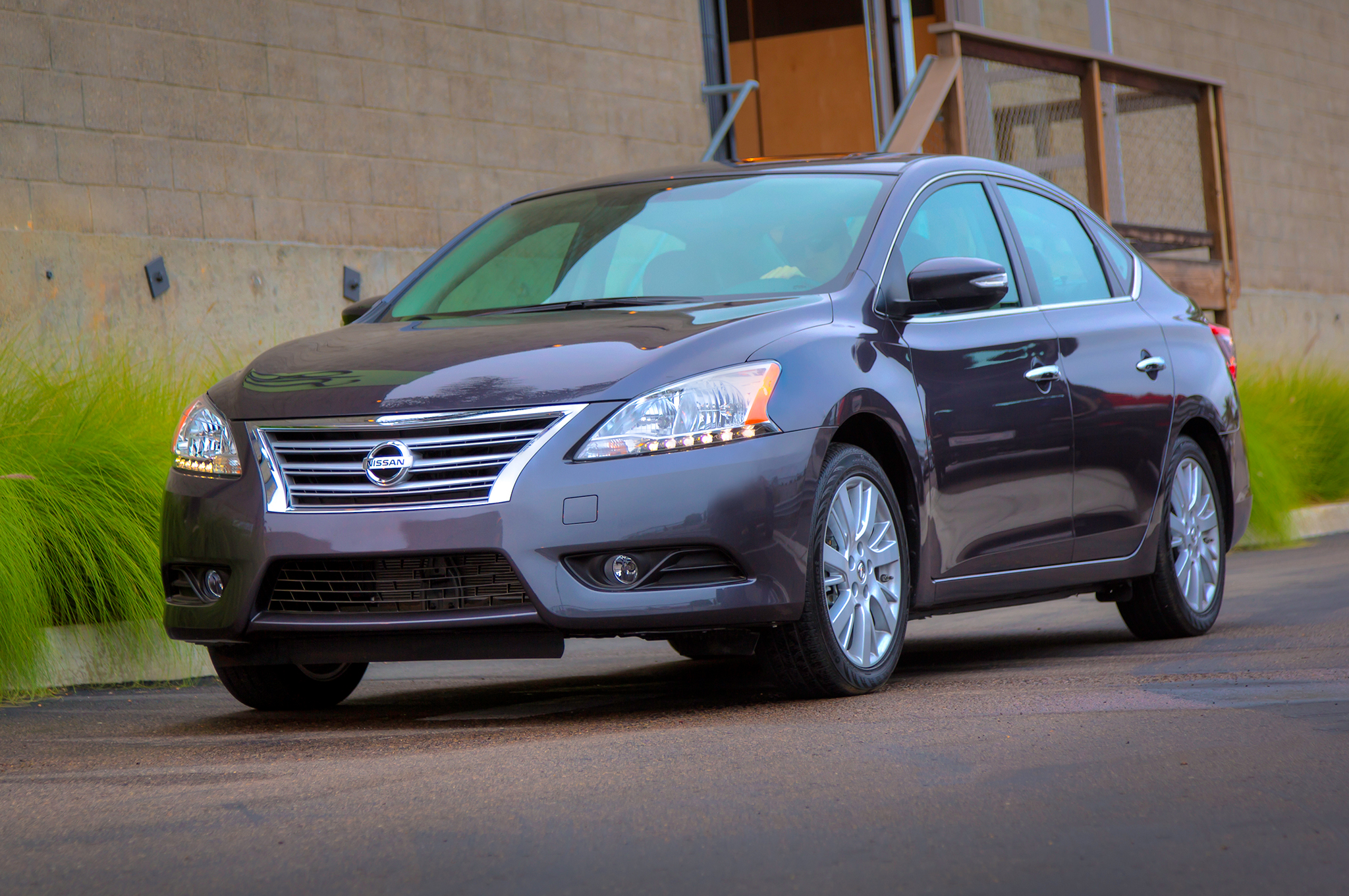 Updated 2014 Nissan Sentra Gets $100-$200 Price Bumps - Motor Trend