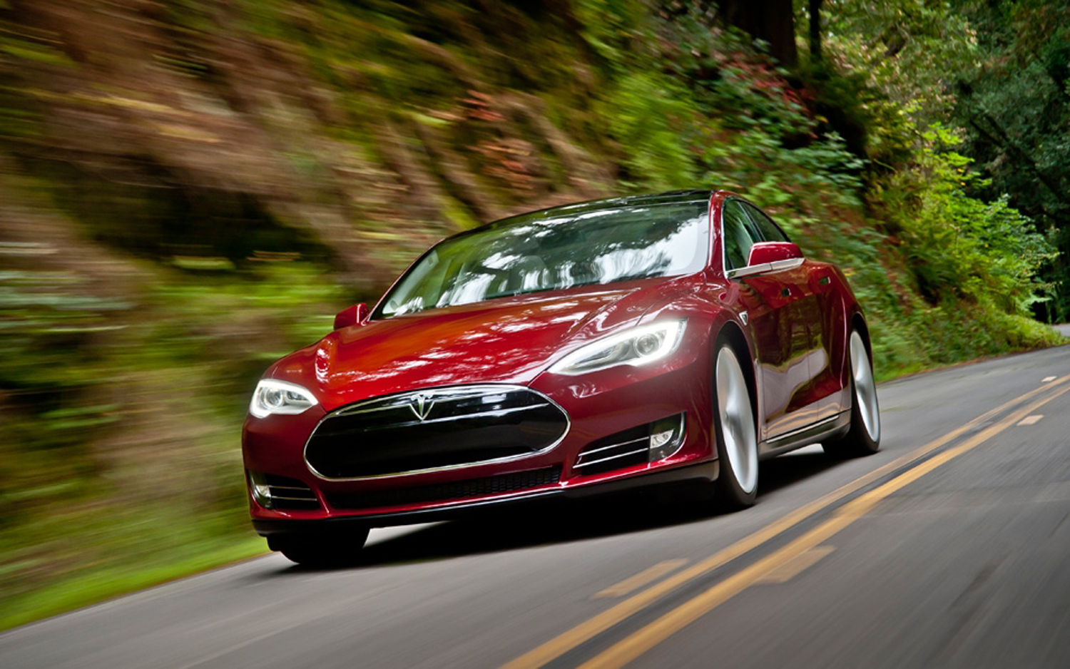Tesla Woes: Accident at HQ, Model S Recall up to NHTSA, Not Musk