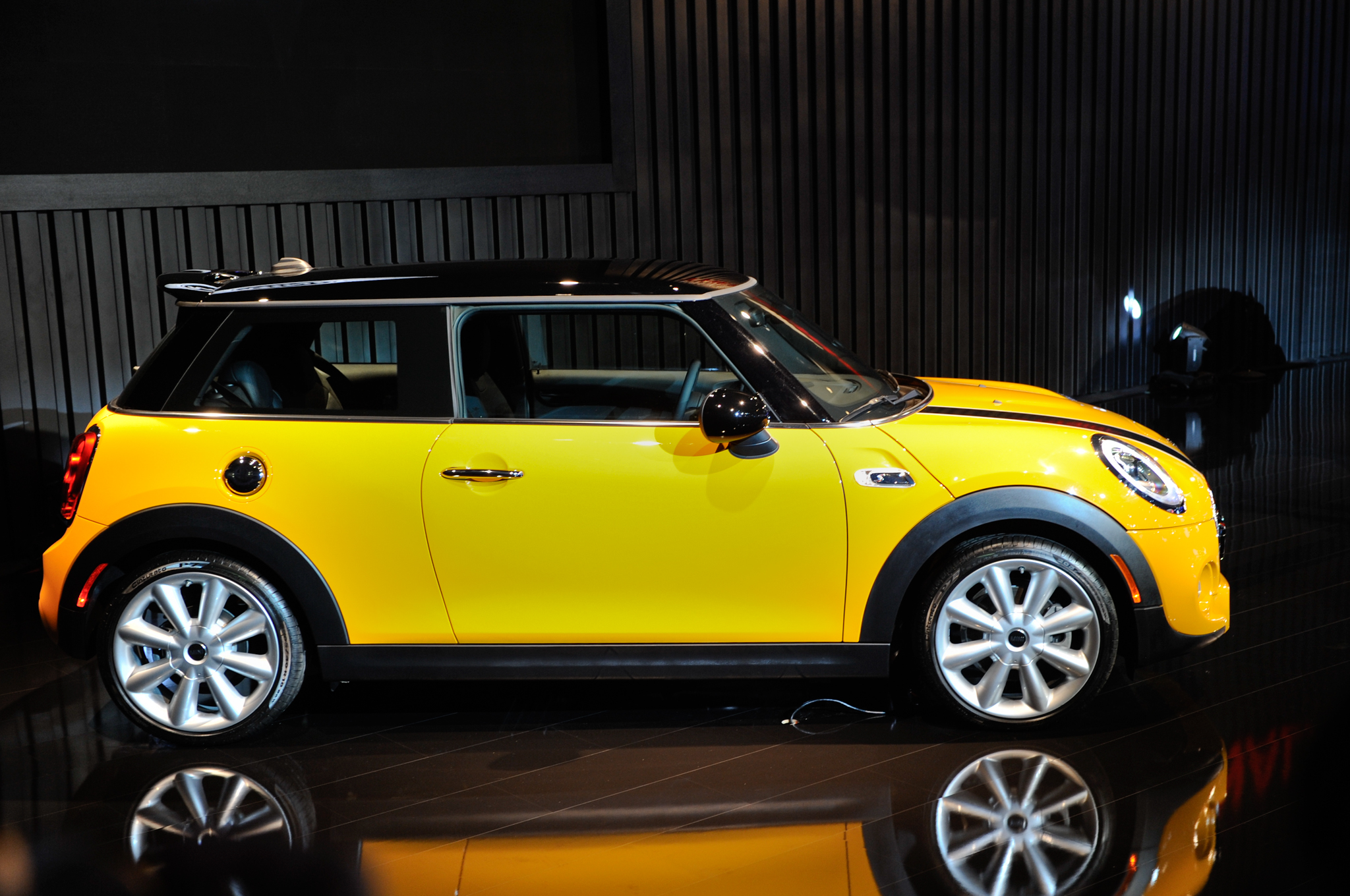 2014 Mini Cooper At La Justifying The Cars Growth Motortrend
