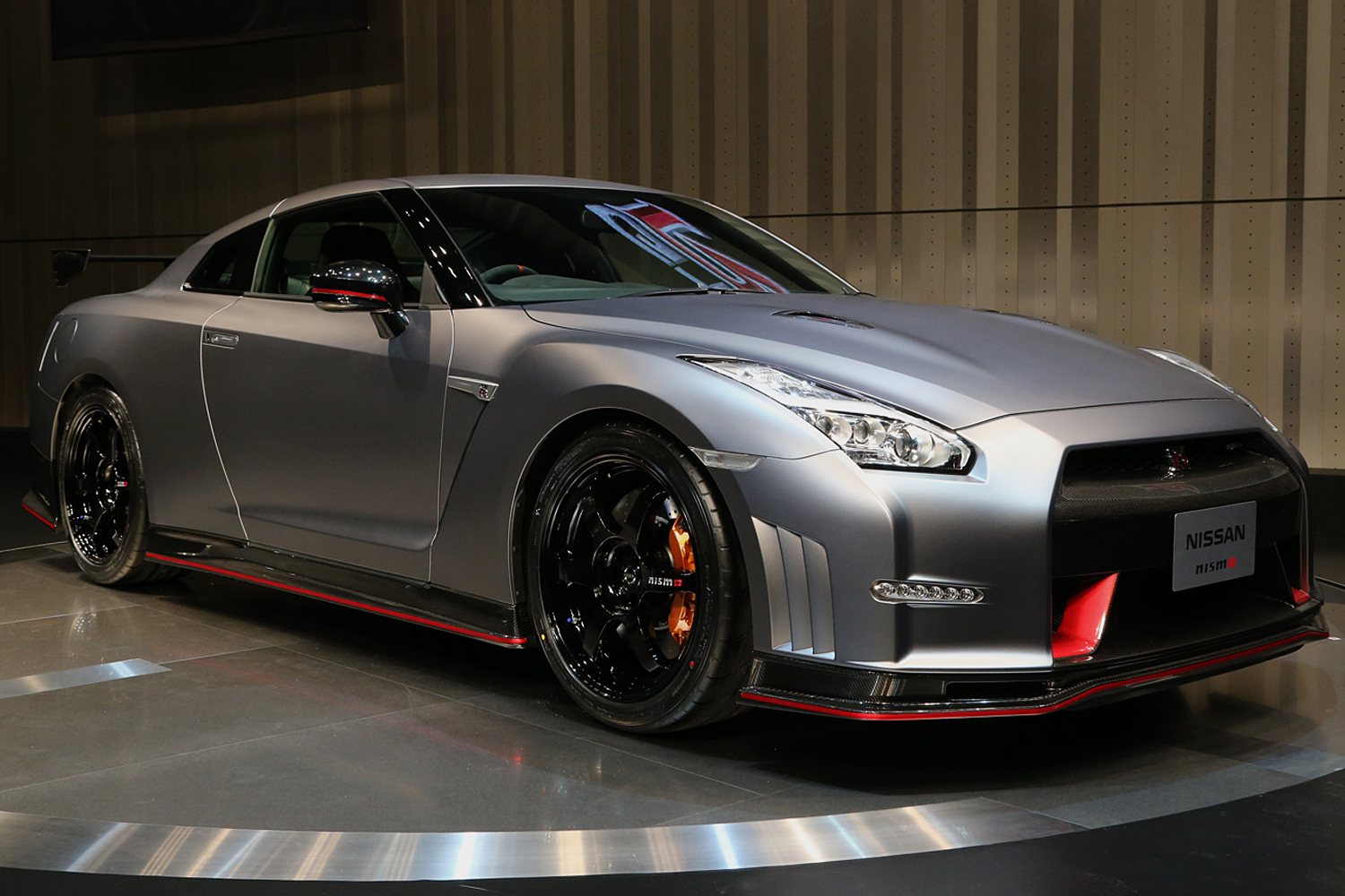 2015 Nissan Gt R Nismo Has A Staggering 600 Hp Motor Trend