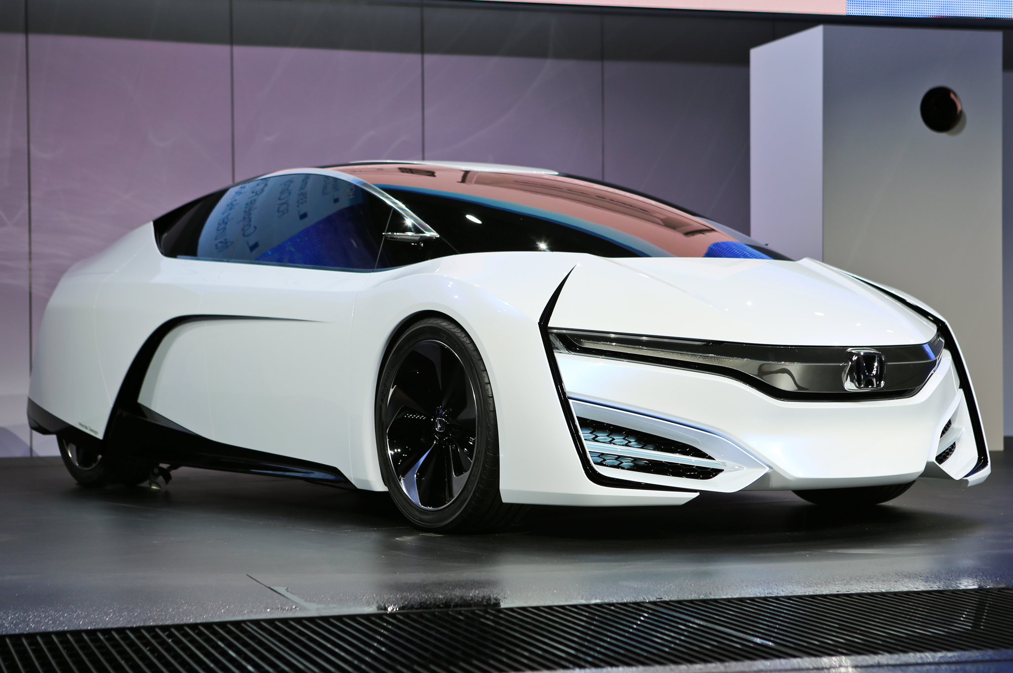 Next Honda FCX Clarity Could Look Like FCEV Concept   2013 L.A.