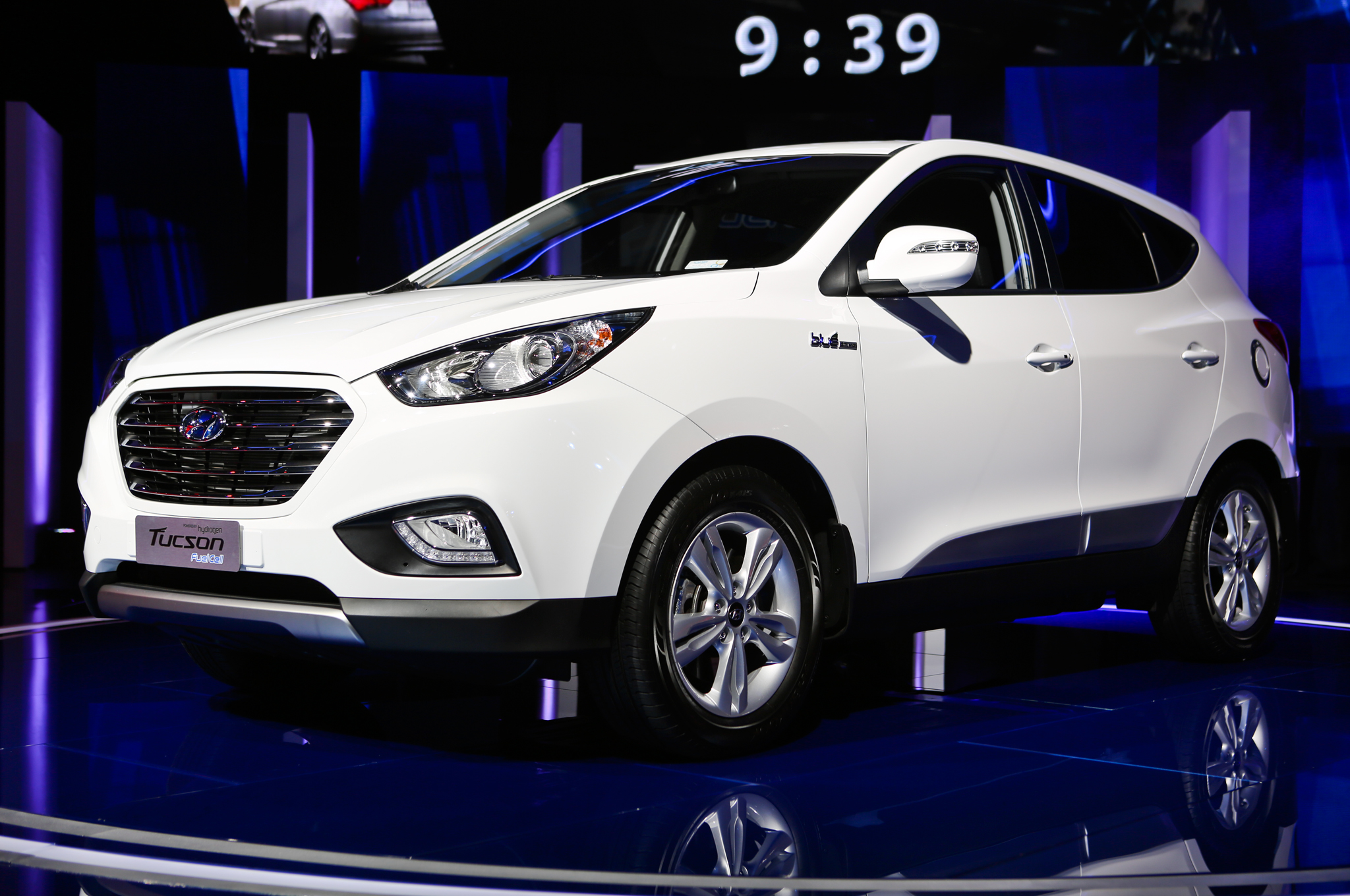 Hyundai Tucson Fuel Cell Debuts At Los Angeles Auto Show - Car show tucson today