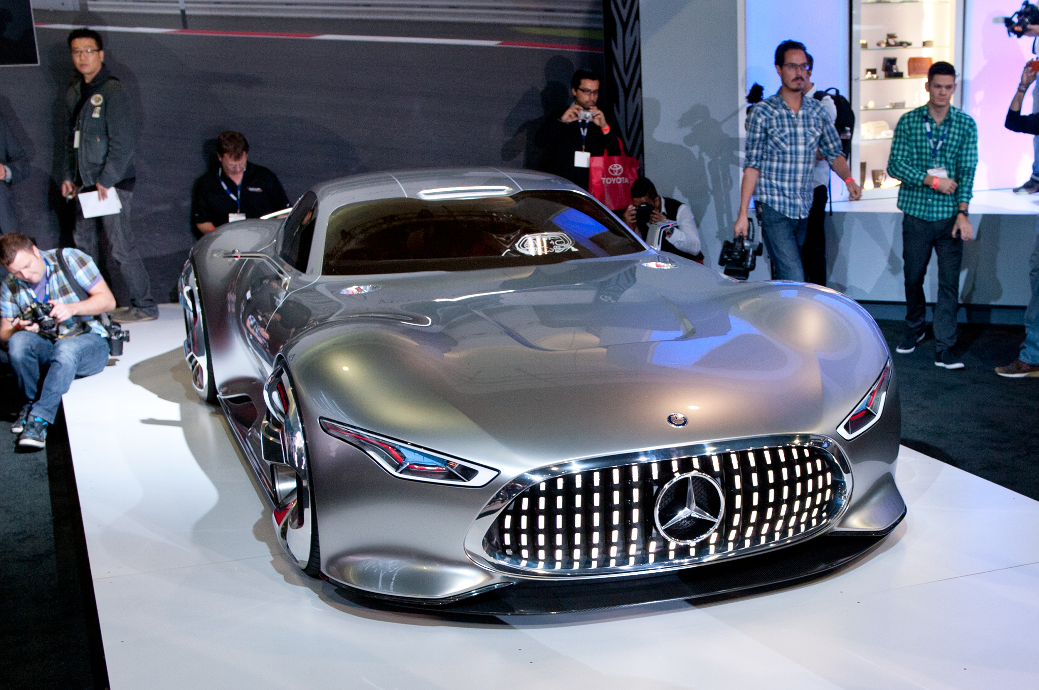 Mercedes Benz AMG Vision Gran Turismo Concept Is Stunning