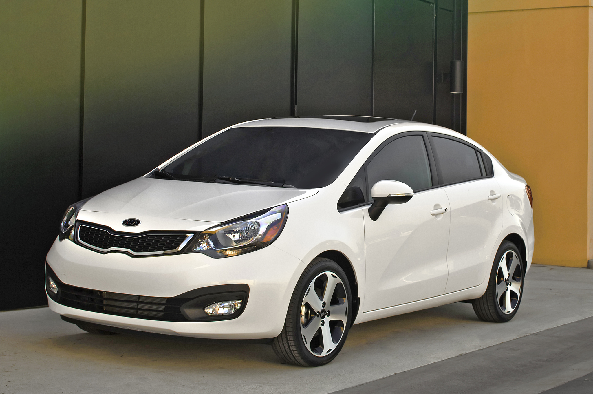 2014 Kia Rio Sedan Starts at $14,600, Rio Hatchback is $100 More ...