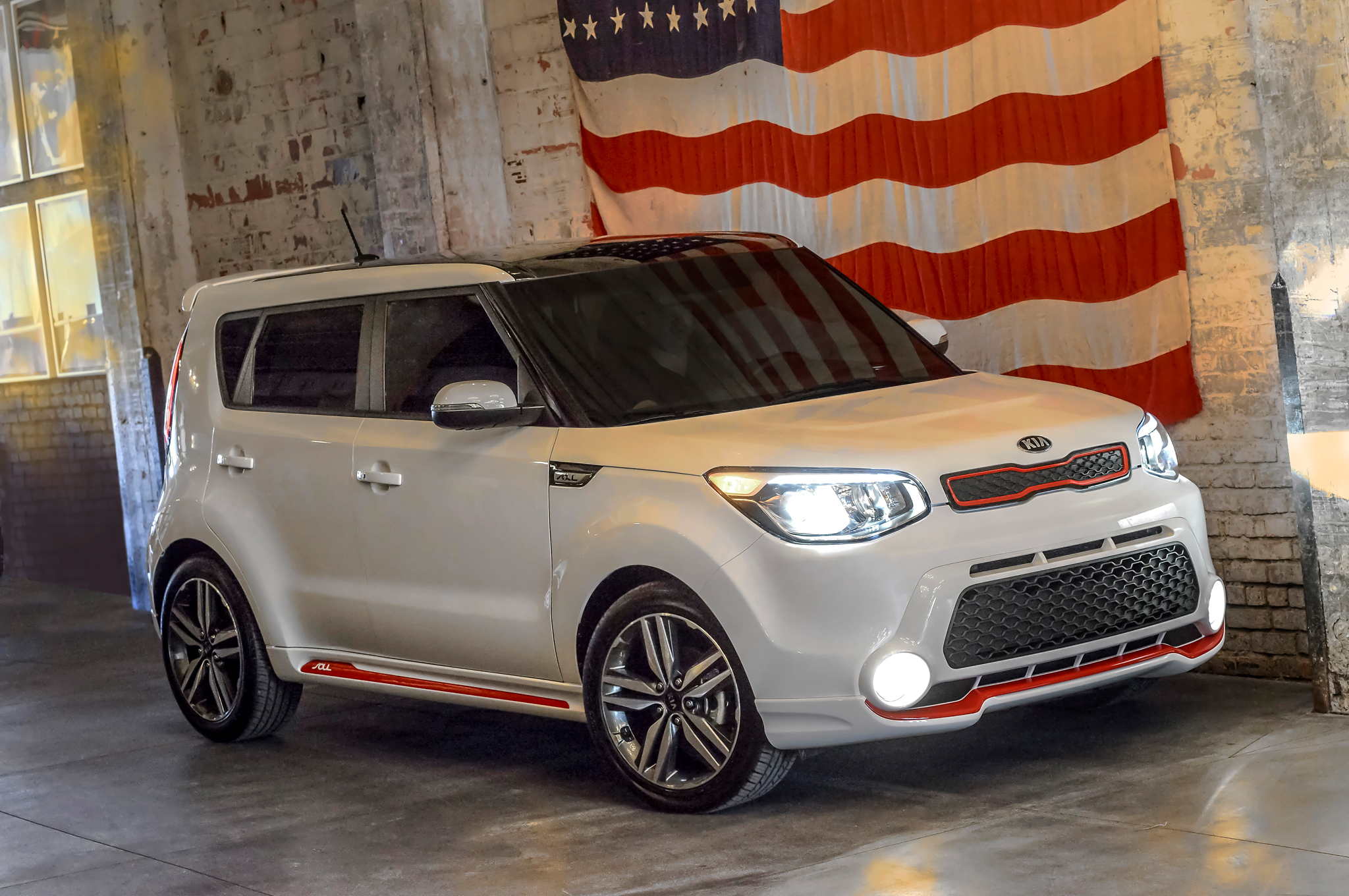 2014 Kia Soul Red Zone Special Edition Looks More like Track'ster Concept