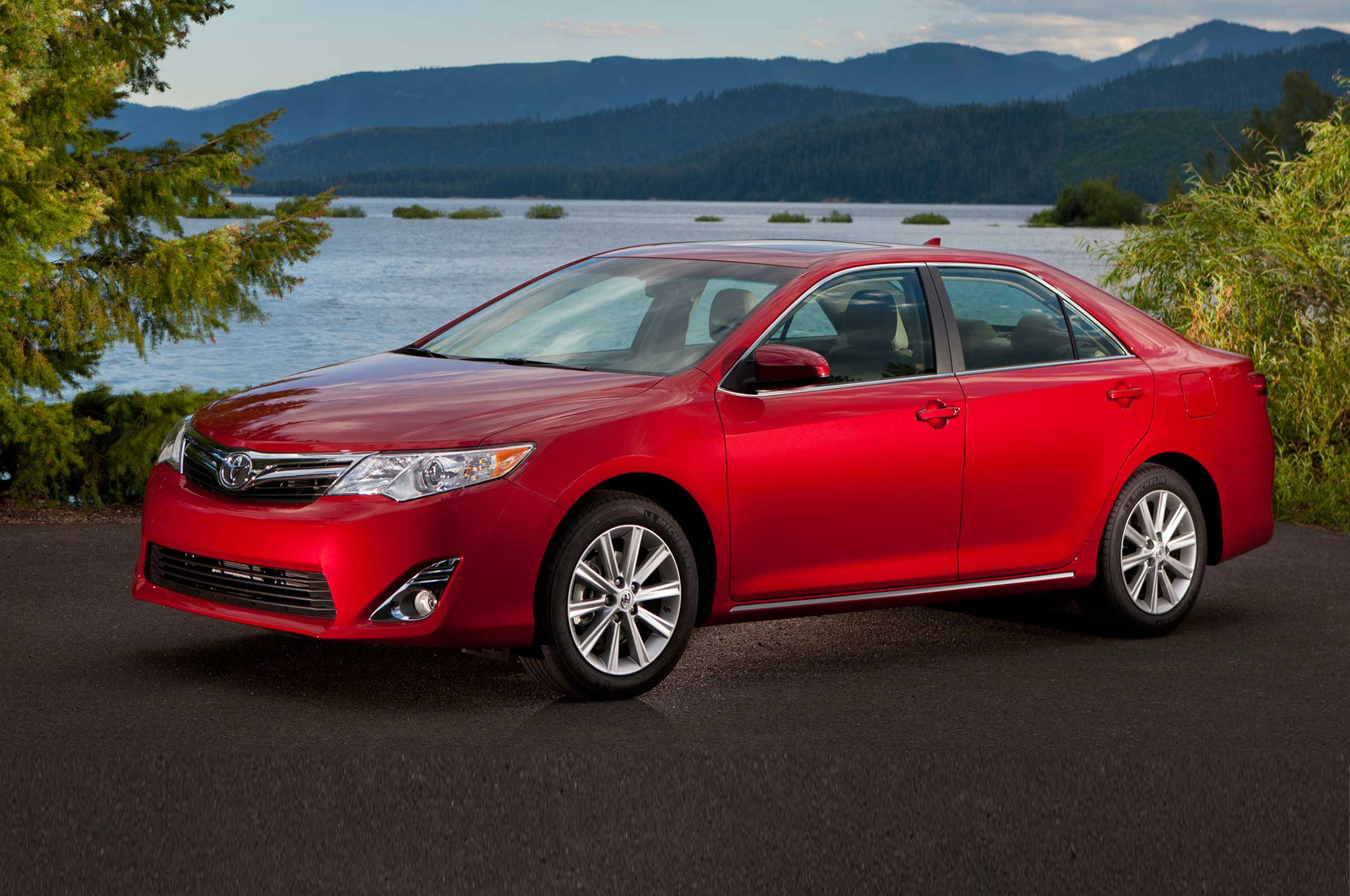 November Midsize Sales: Toyota Camry In First, Passat Passes 200