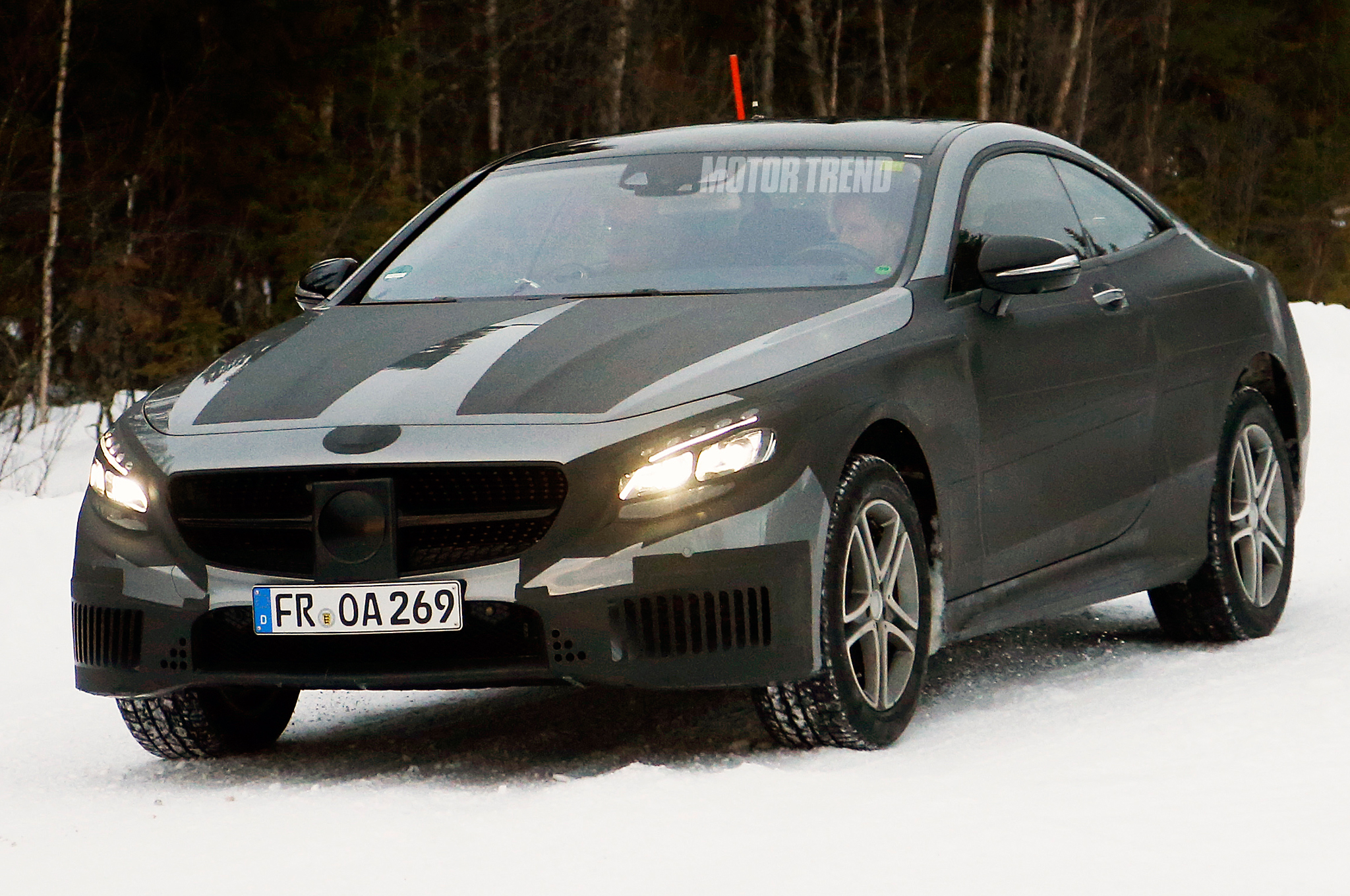 Mercedes-Benz S-Class Coupe Prototype Spied Playing in the Snow
