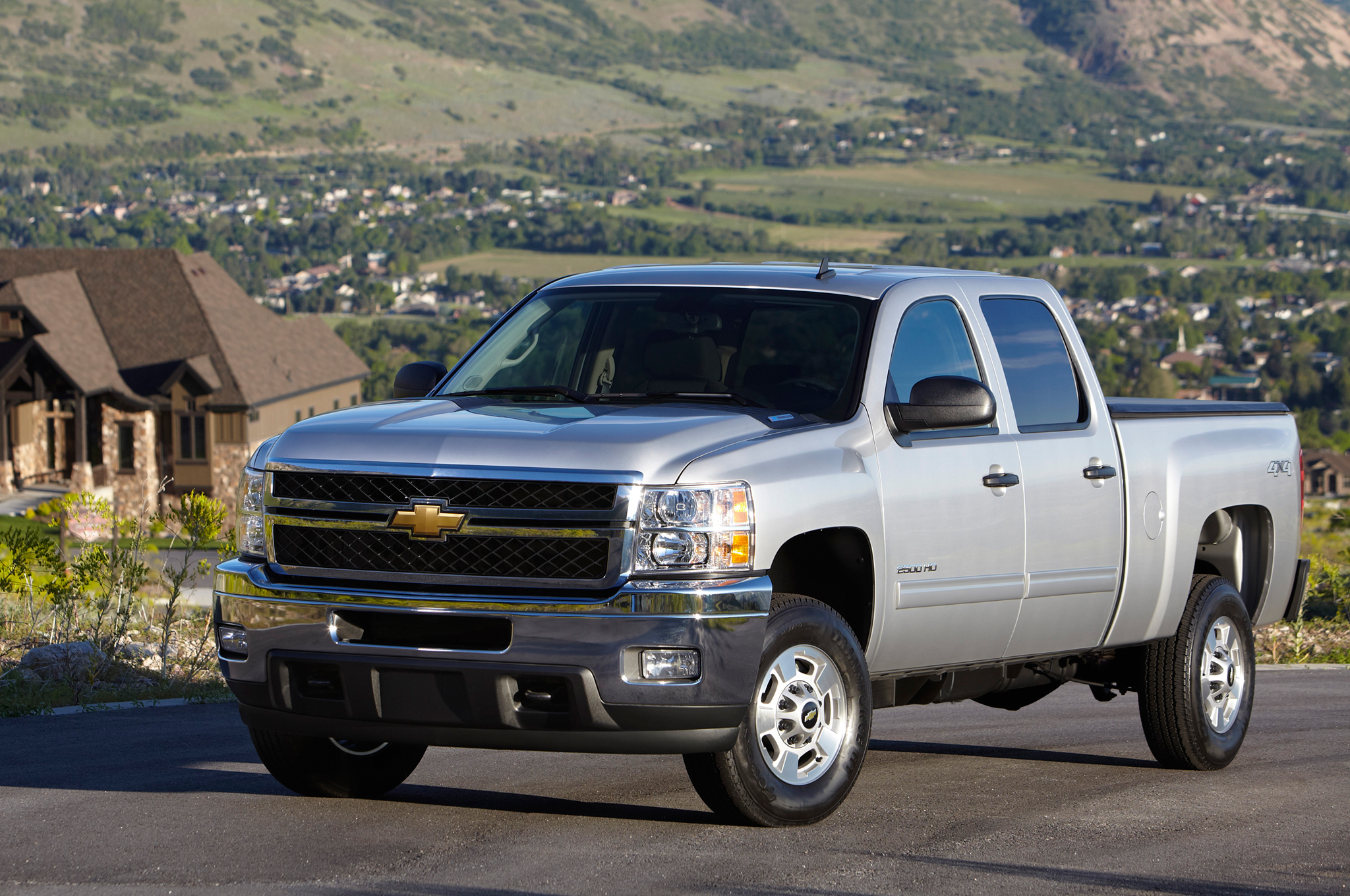2631e9c667a019 2014-2015 Trucks, SUVs and Vans: The Ultimate Buyer's Guide - MotorTrend