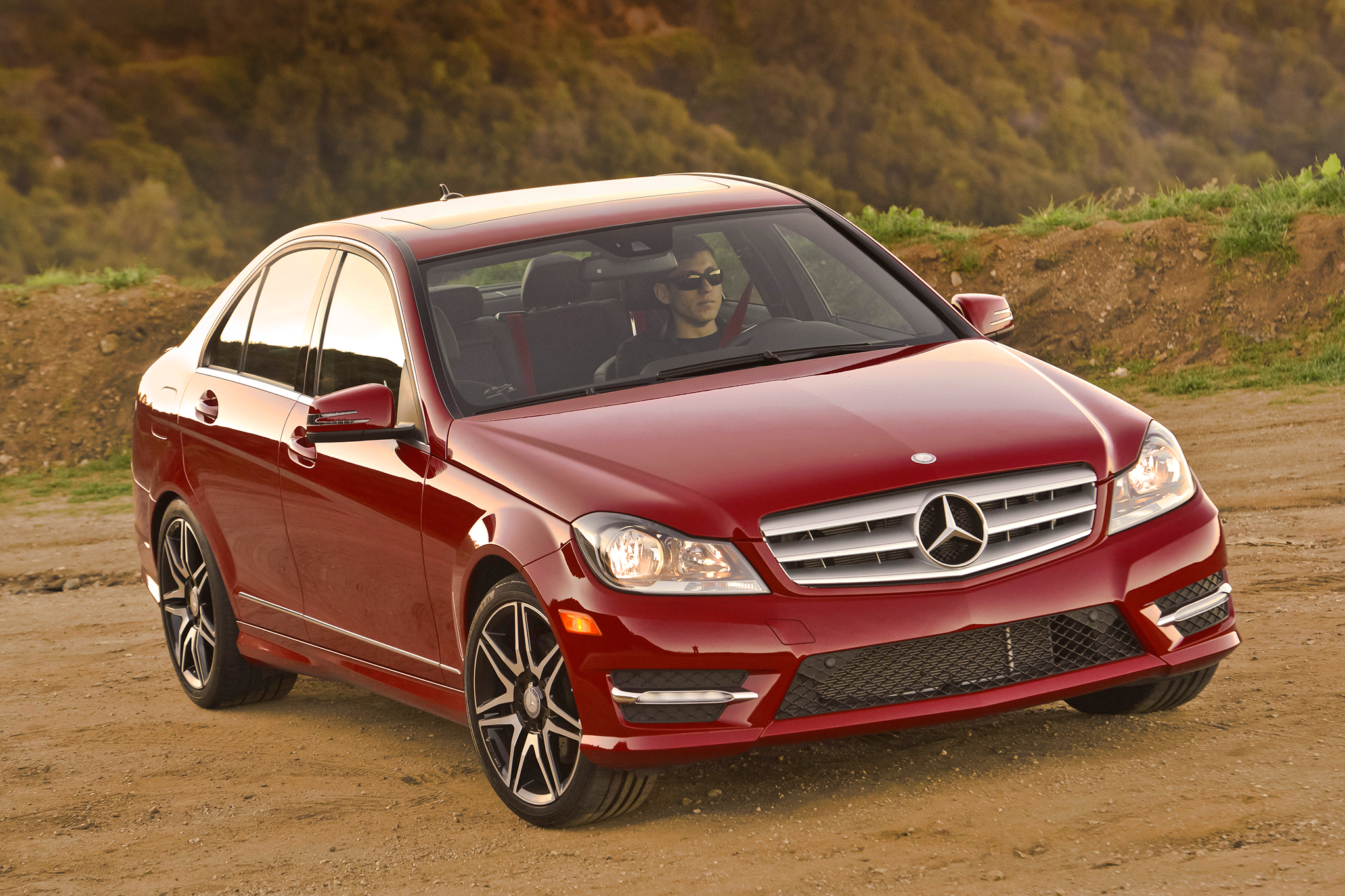 Mercedes-Benz was Best-Selling Luxury Automaker in 2013