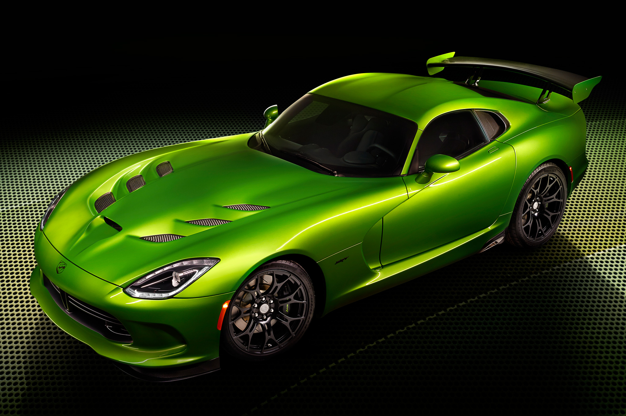 stryker green joins the 2014 srt viper color palette motor trend