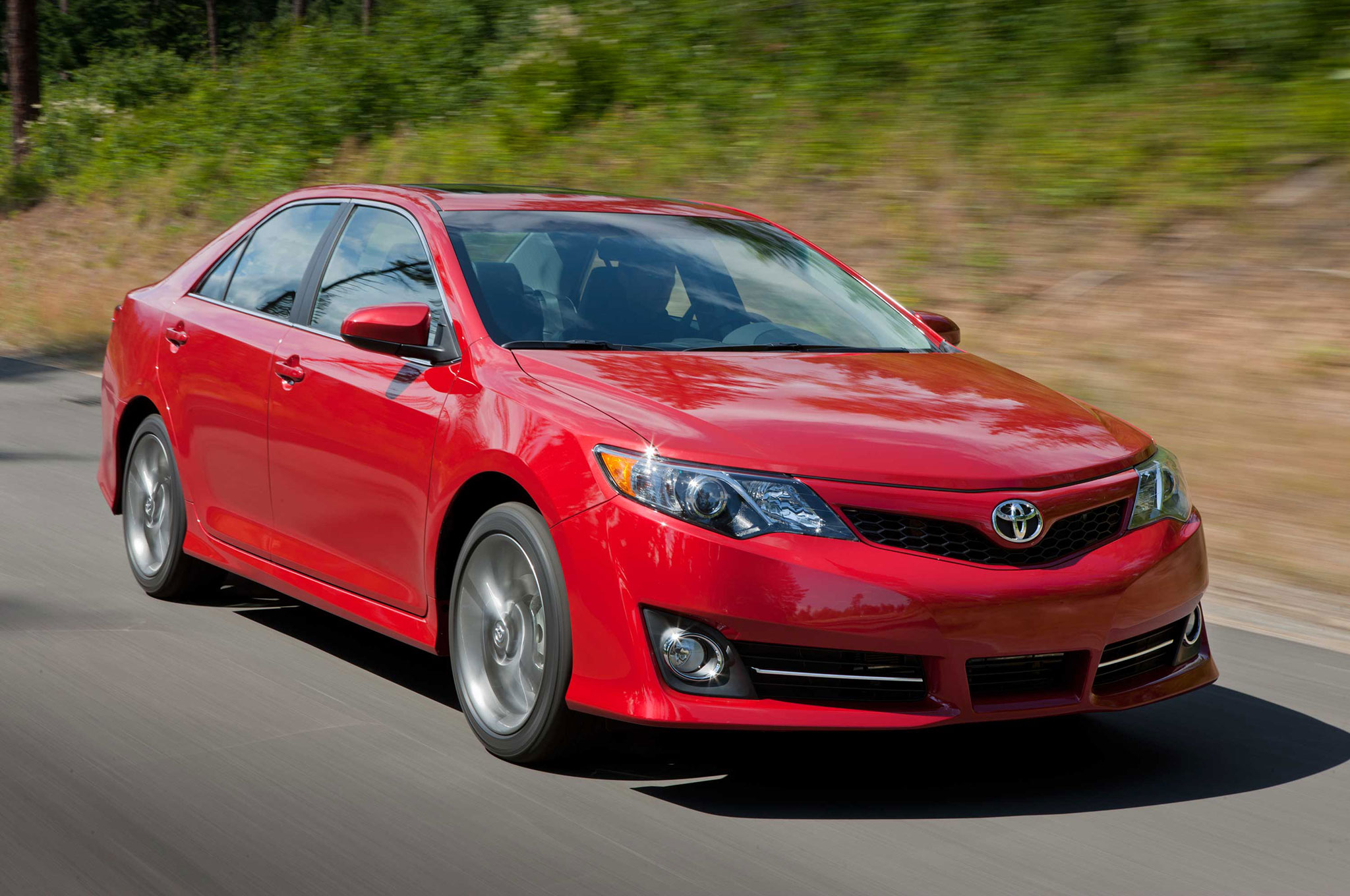 Toyota Camry is the Midsize Sales King of 2013