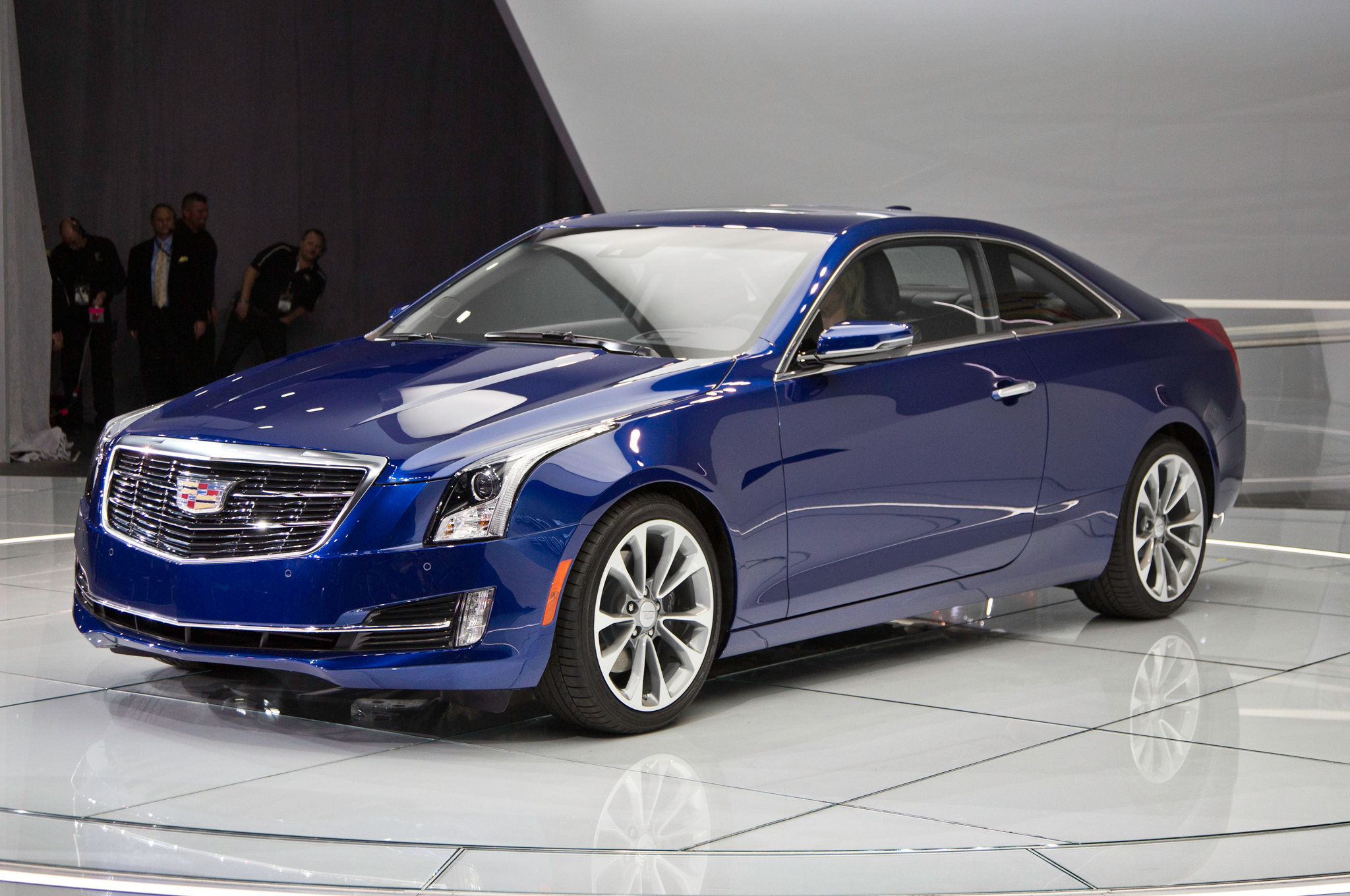 2015 Cadillac Ats Coupe First Look Motortrend