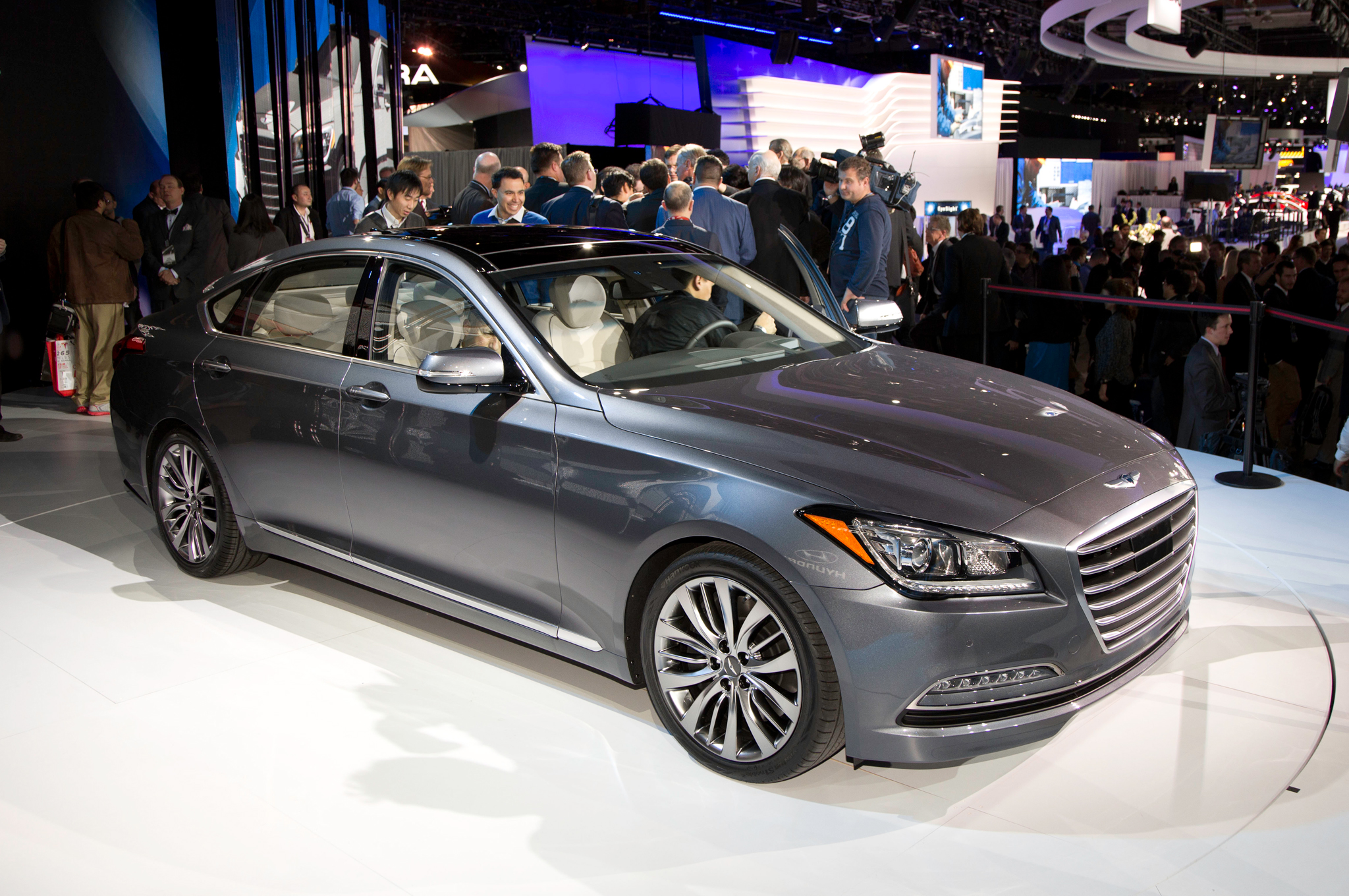 2015 Hyundai Genesis Sedan First Look