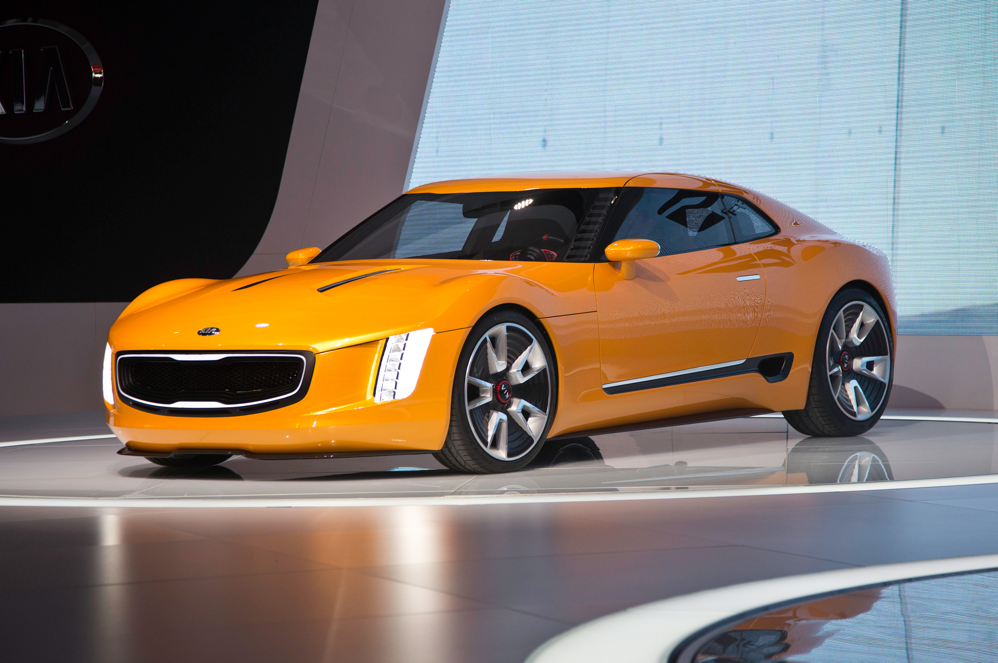kia gt4 stinger concept first look - motortrend