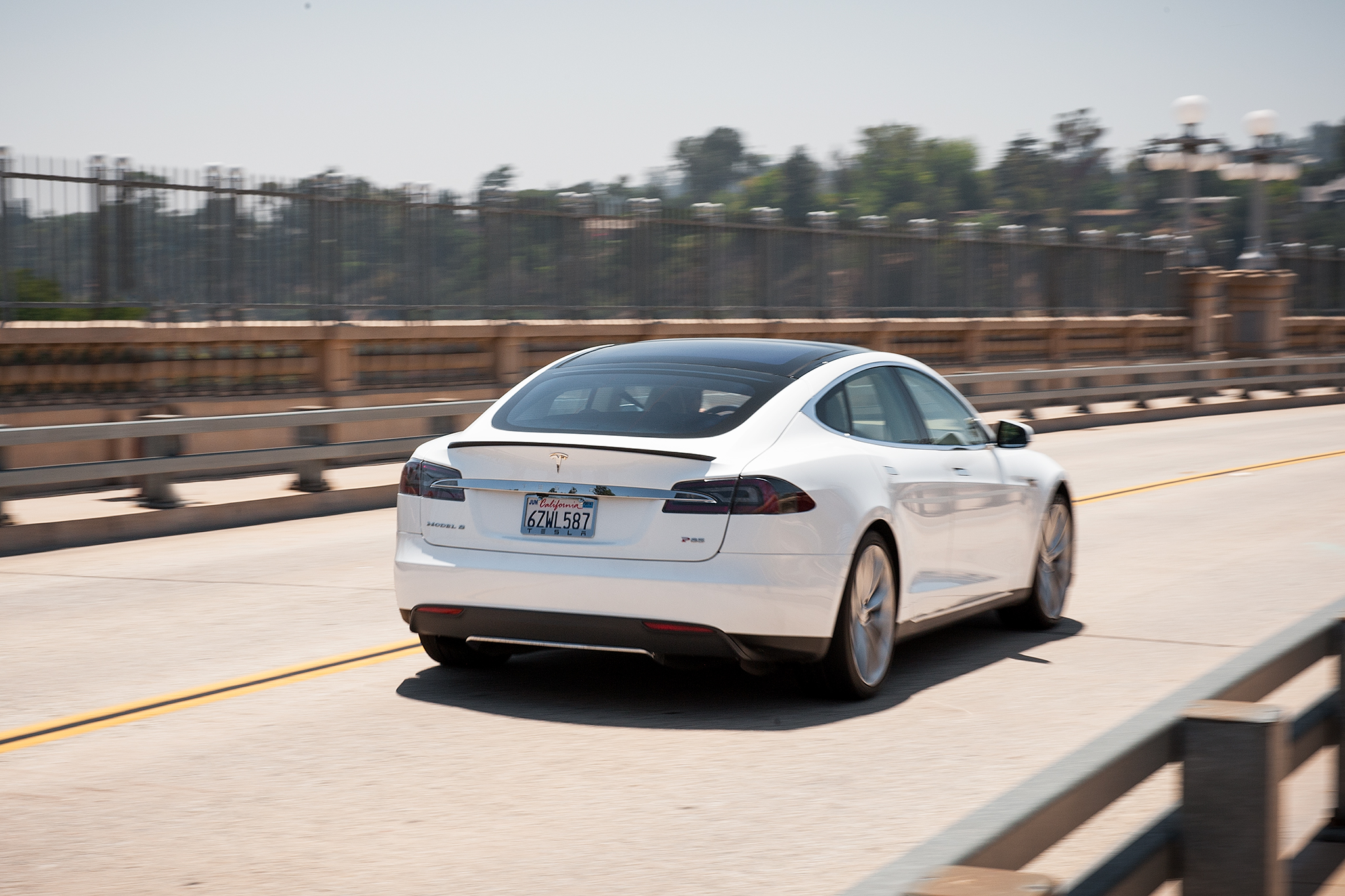 Tesla Releases Fourth Quarter Financial Report, 2014 Forecast