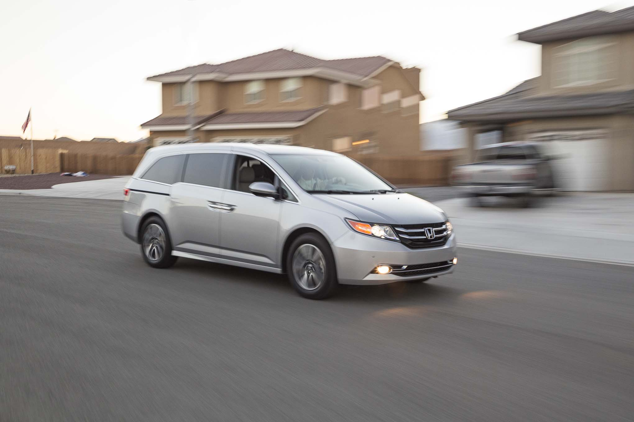 2014 Honda Odyssey Touring Elite First Test