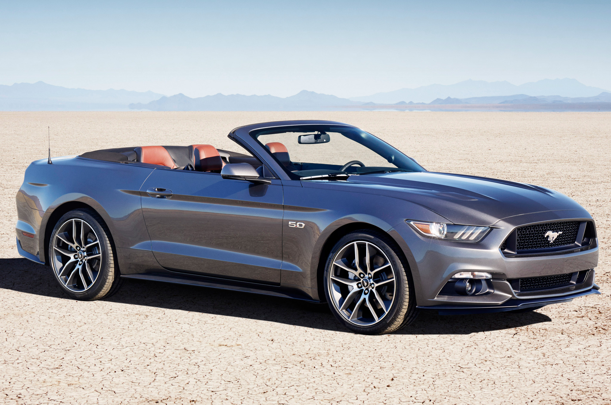 2015 ford mustang convertible first look motor trend