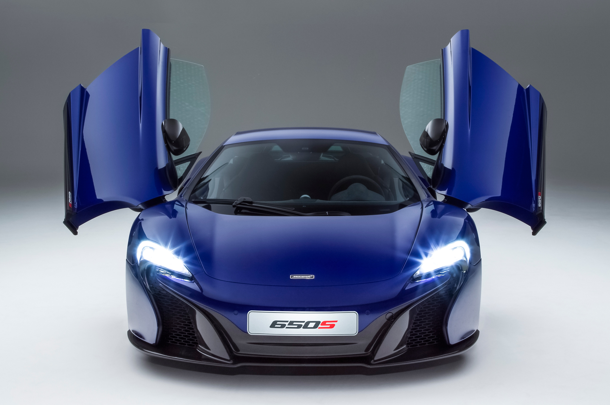 TOTD: McLaren vs. Ferrari – Who Builds Better Street Cars?