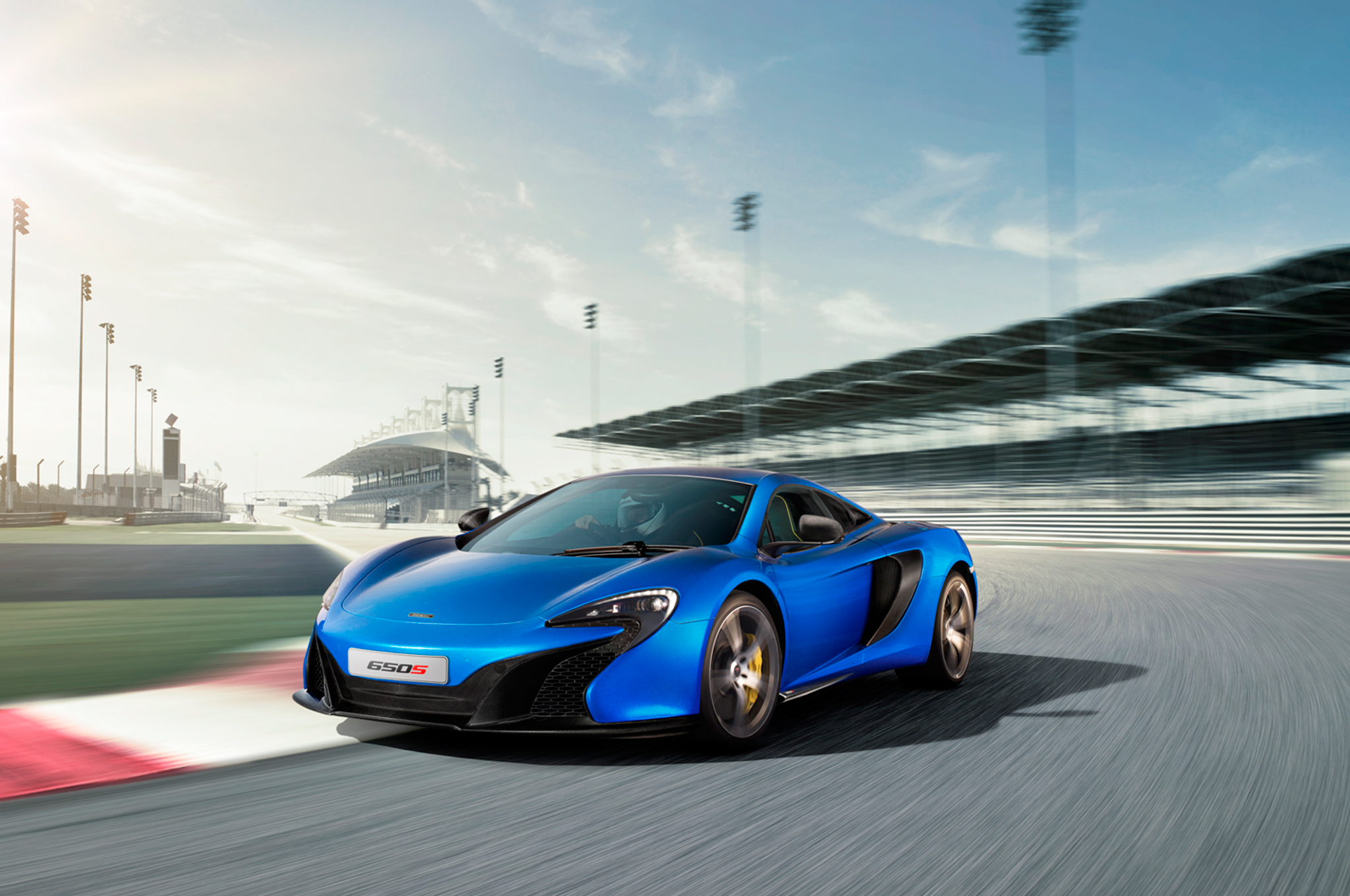 2015 McLaren 650S Coupe First Look
