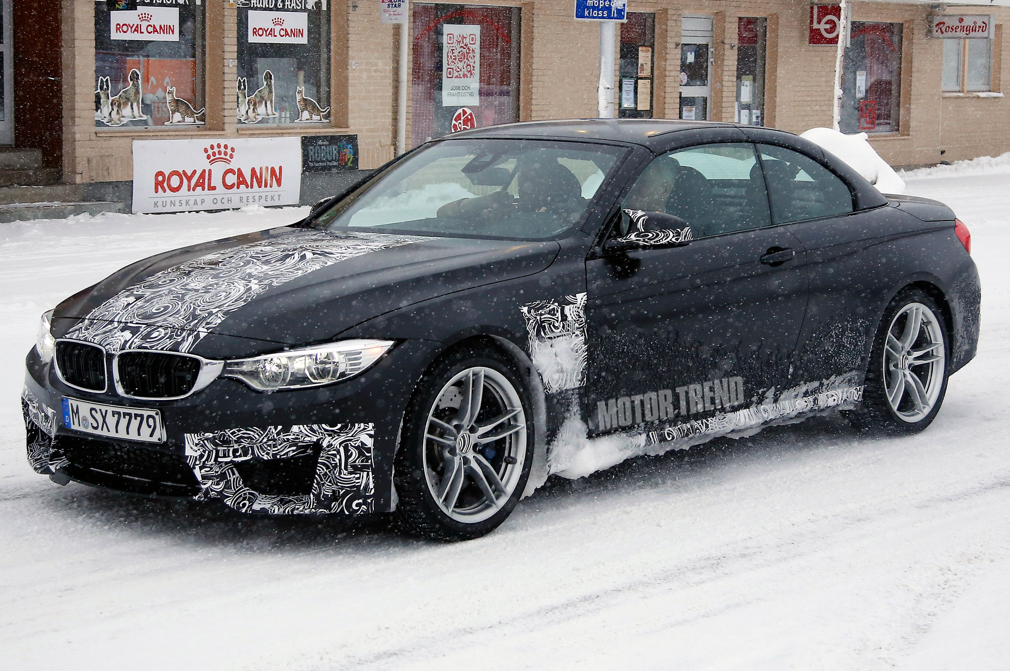 BMW M4 Convertible Spied Nearly Naked in Snowy Weather
