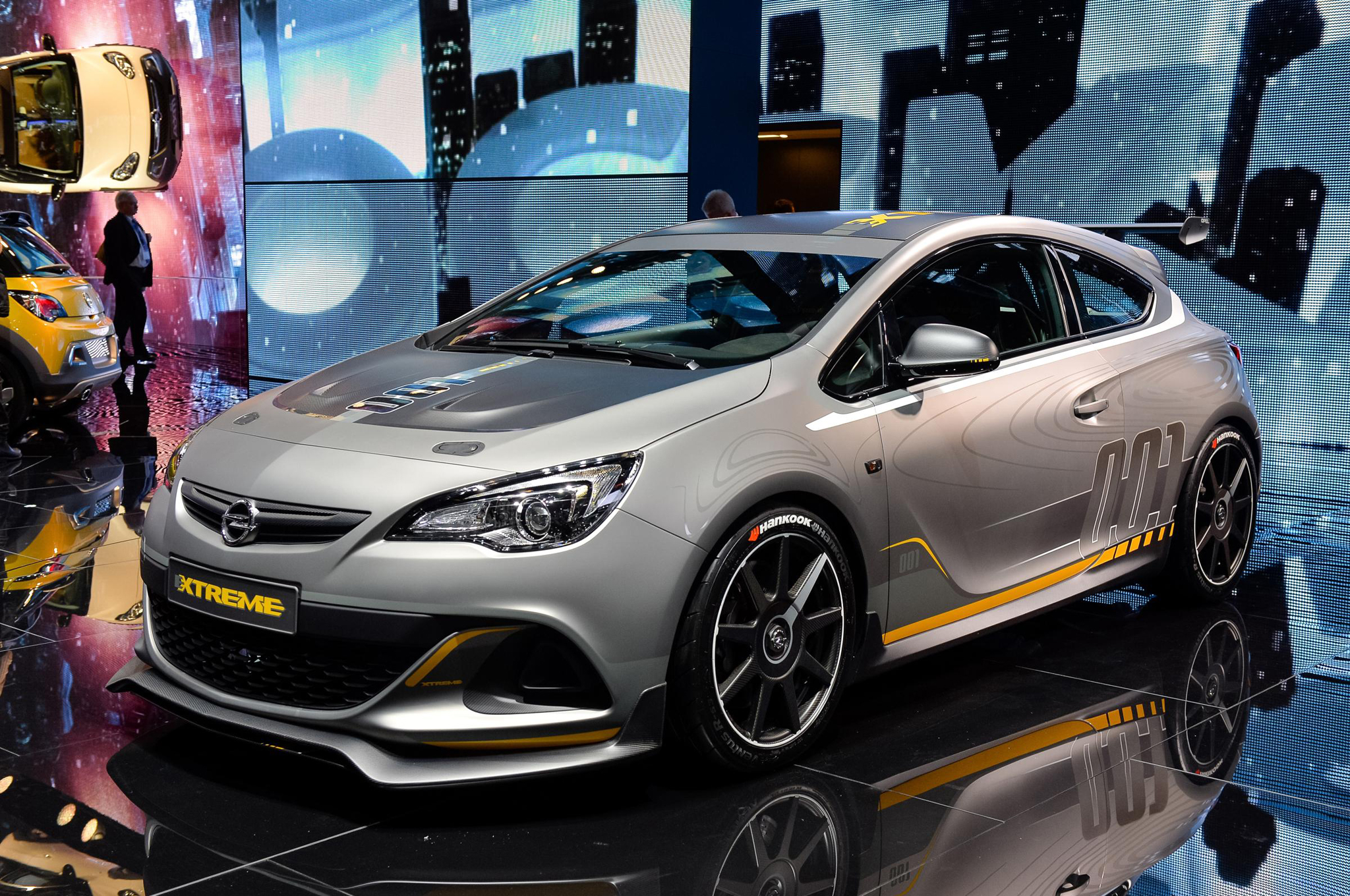 Powerful And Light Opel Vauxhall Extreme Concept Is Geneva Bound