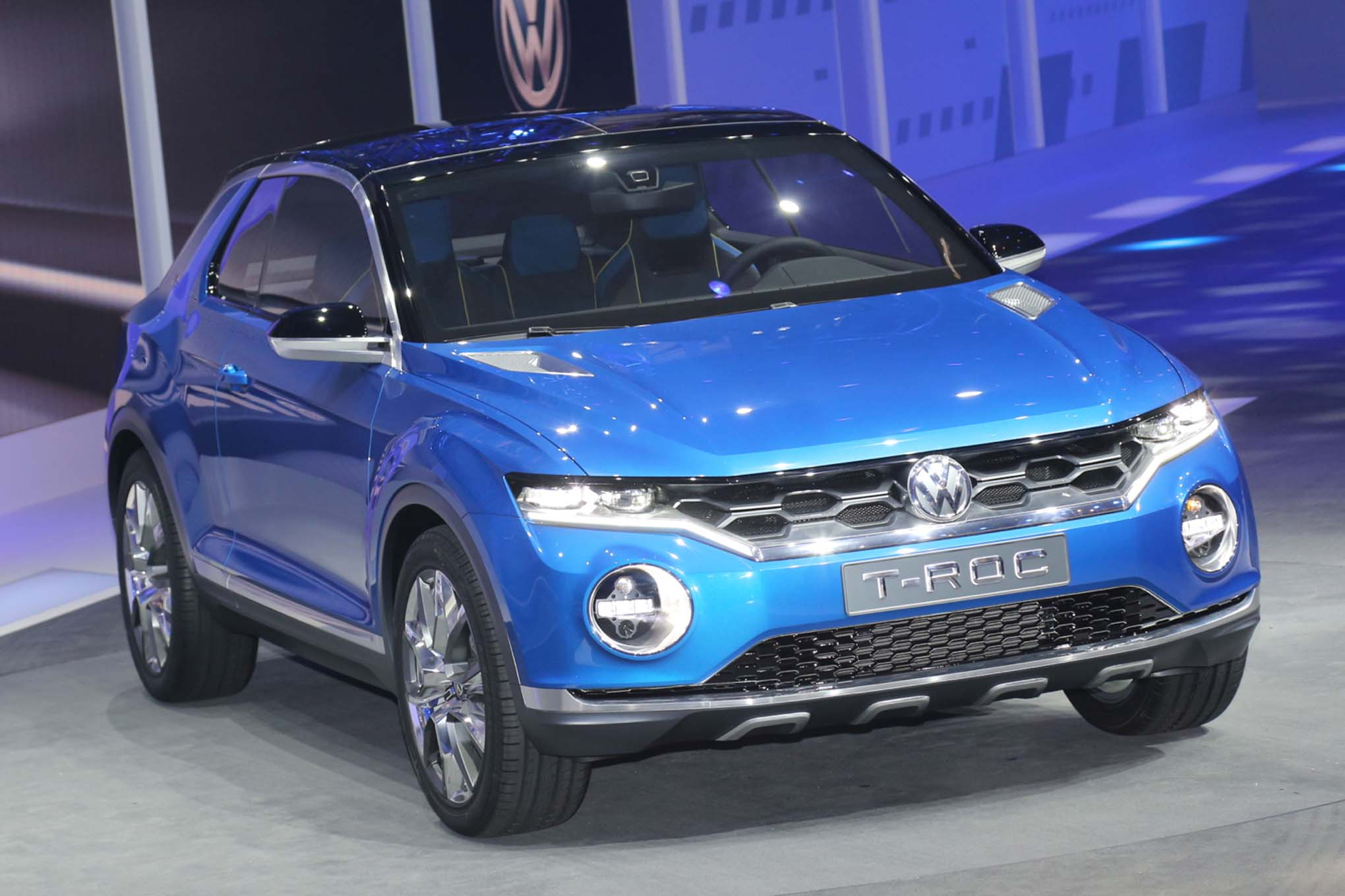 Volkswagen T-ROC Concept Grabs Golf GTD's Turbodiesel for Geneva