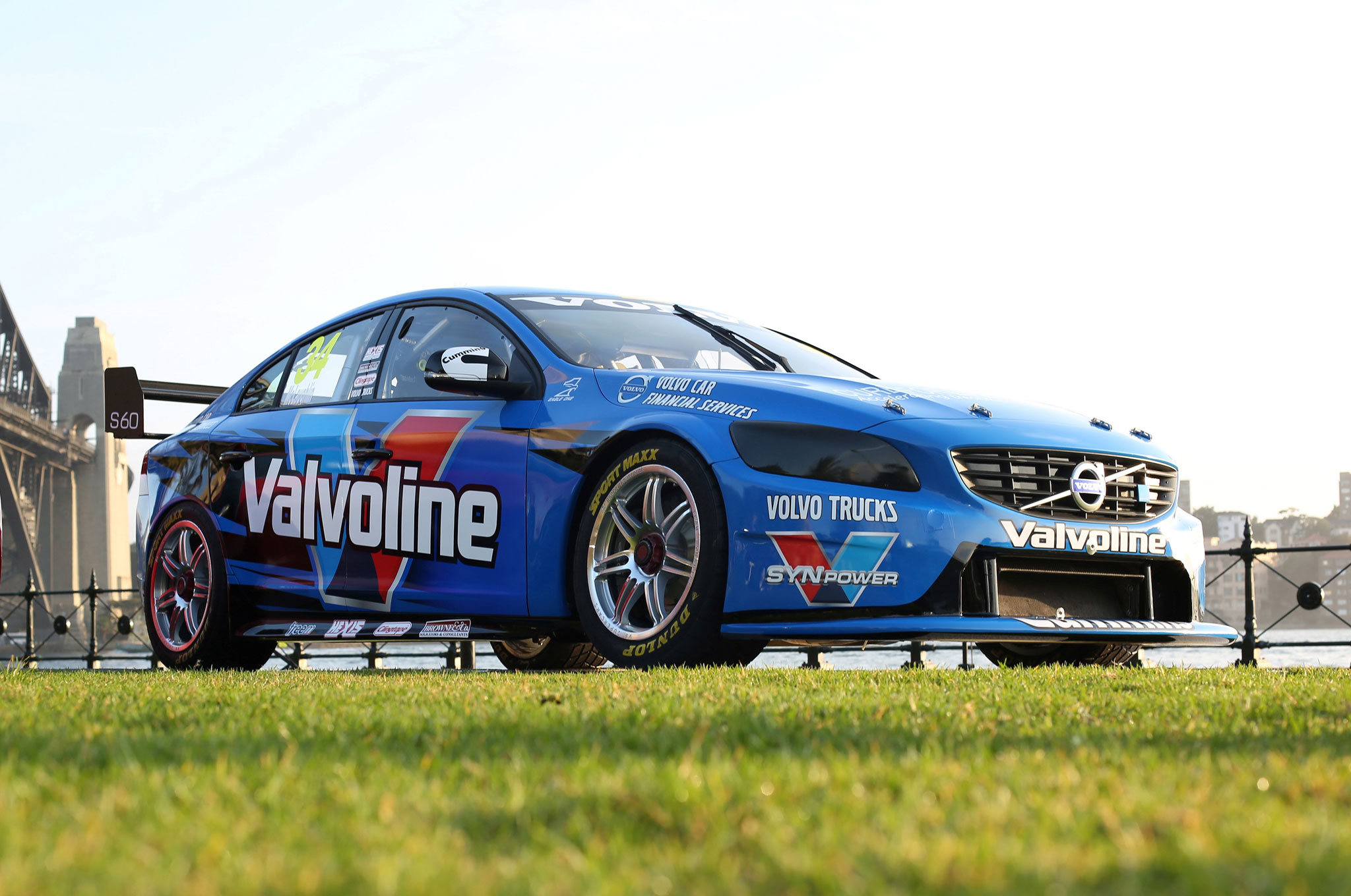 New Volvo S60 V8 Supercar Driven Across Sydney Harbour Bridge