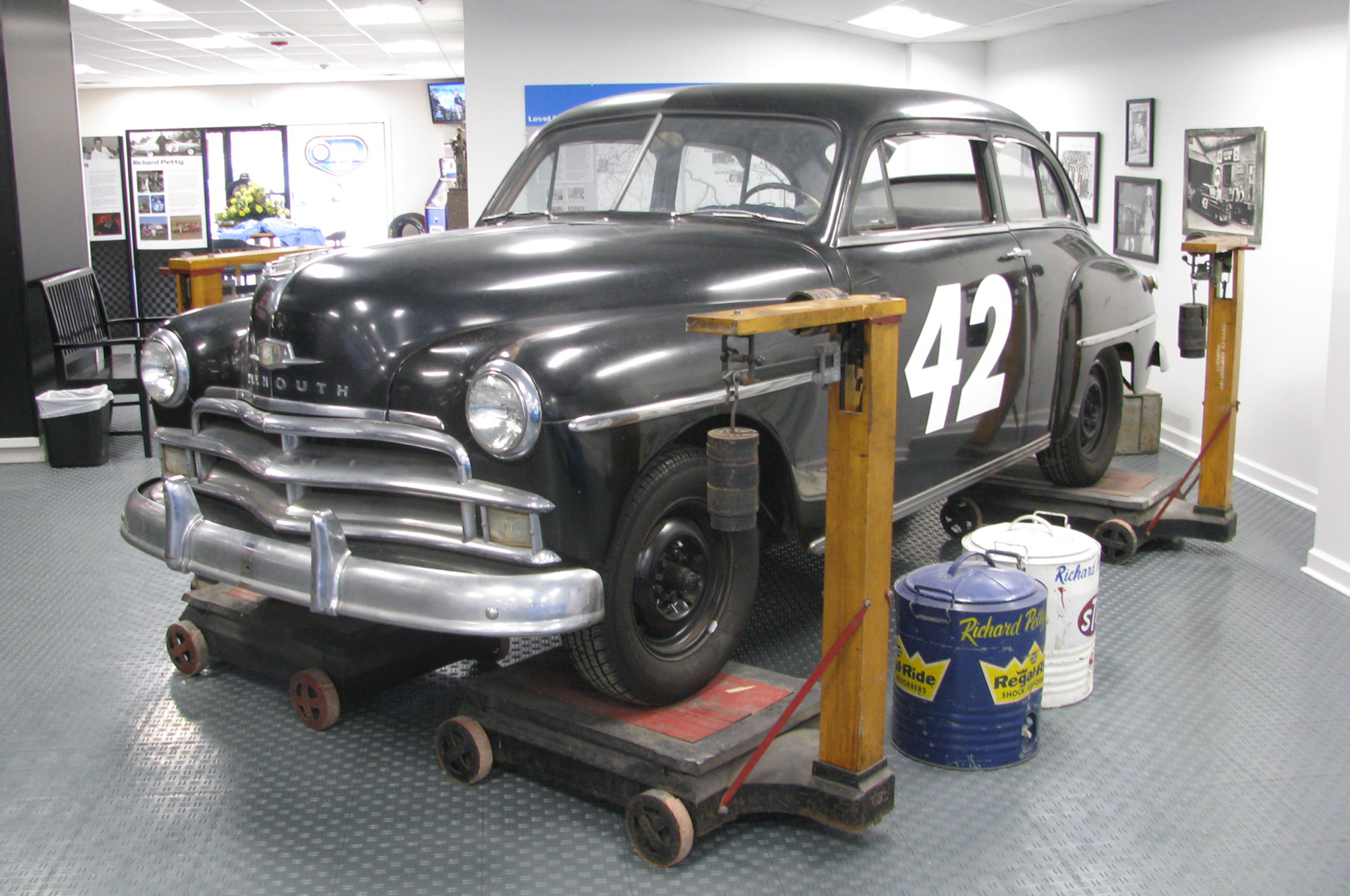 1950-Plymouth-front-three-quarters.jpg