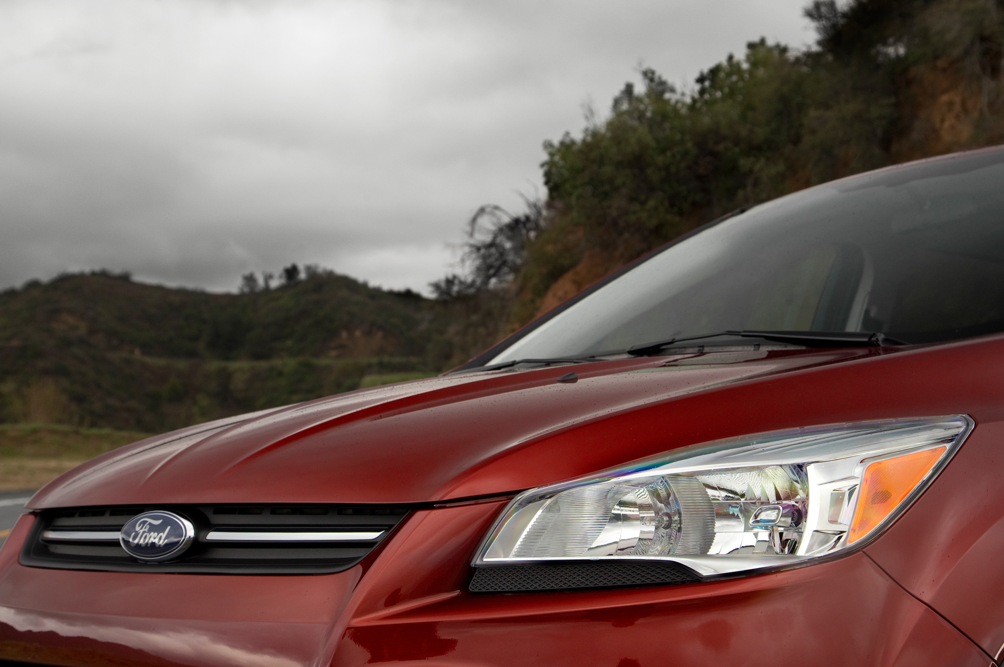 Ford Announces $989 Million Net Income for First Quarter