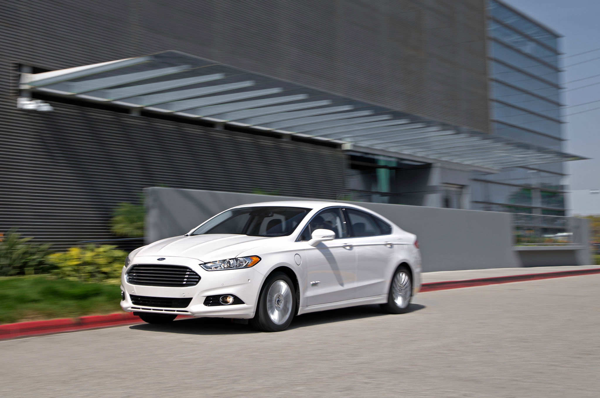 ford fusion energi phev  test motortrend