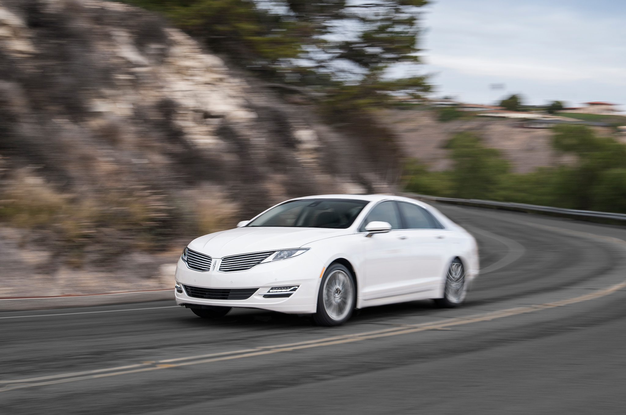 2014 Lincoln Mkz Hybrid First Test Motor Trend