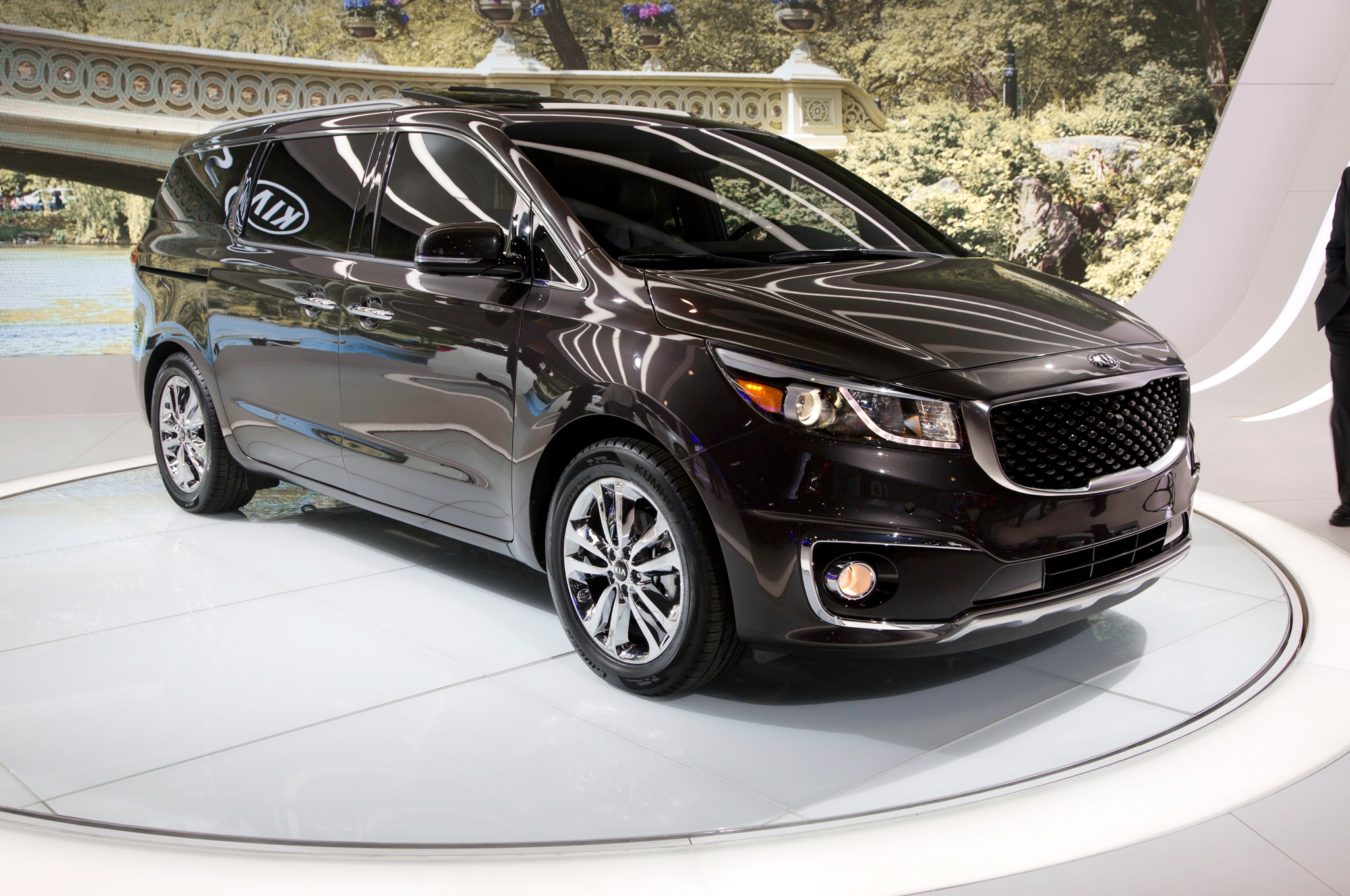 2015 Kia Sedona First Look