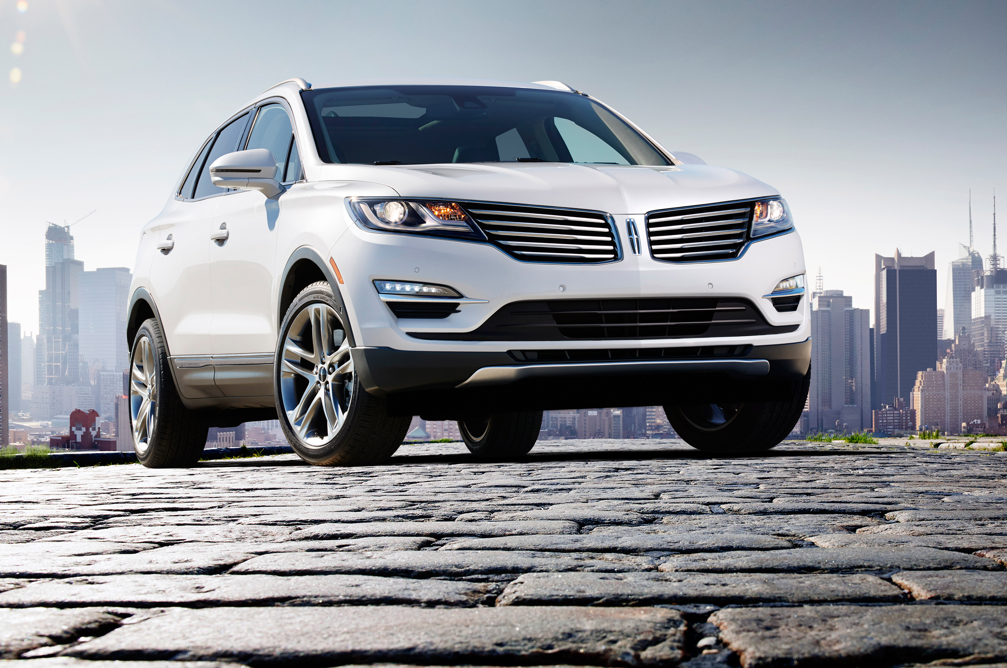 New Lincoln Chief Designer Recruited to Help Revitalize Lineup ...