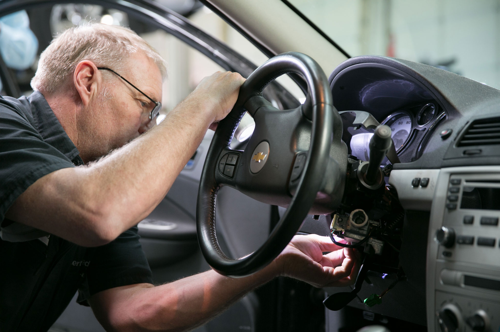 GM Shipping Replacement Ignition Parts, Dealers Begin Recall Repairs