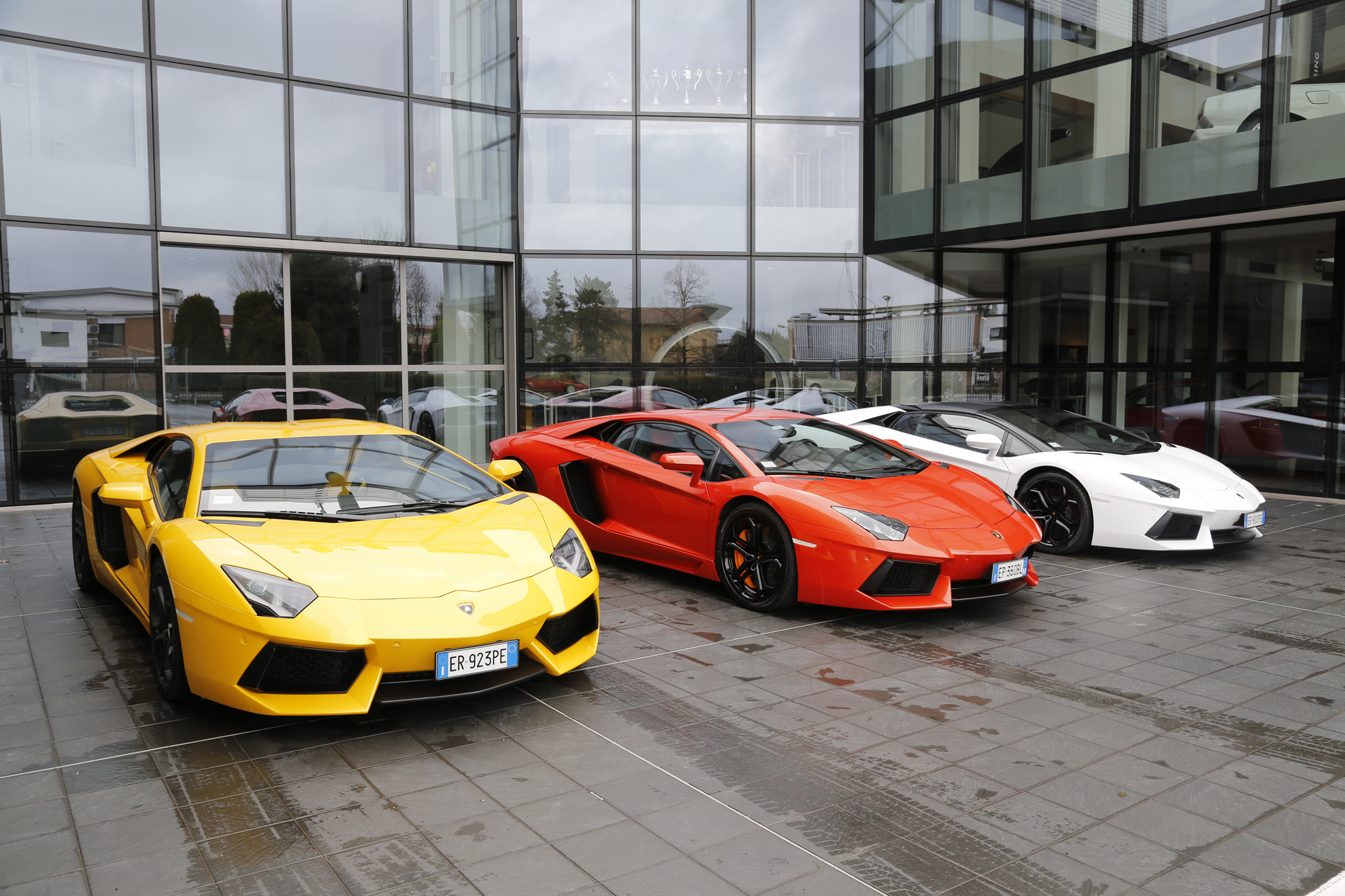 Lamborghini Aventador Road Trip A Bull For All Seasons Motortrend
