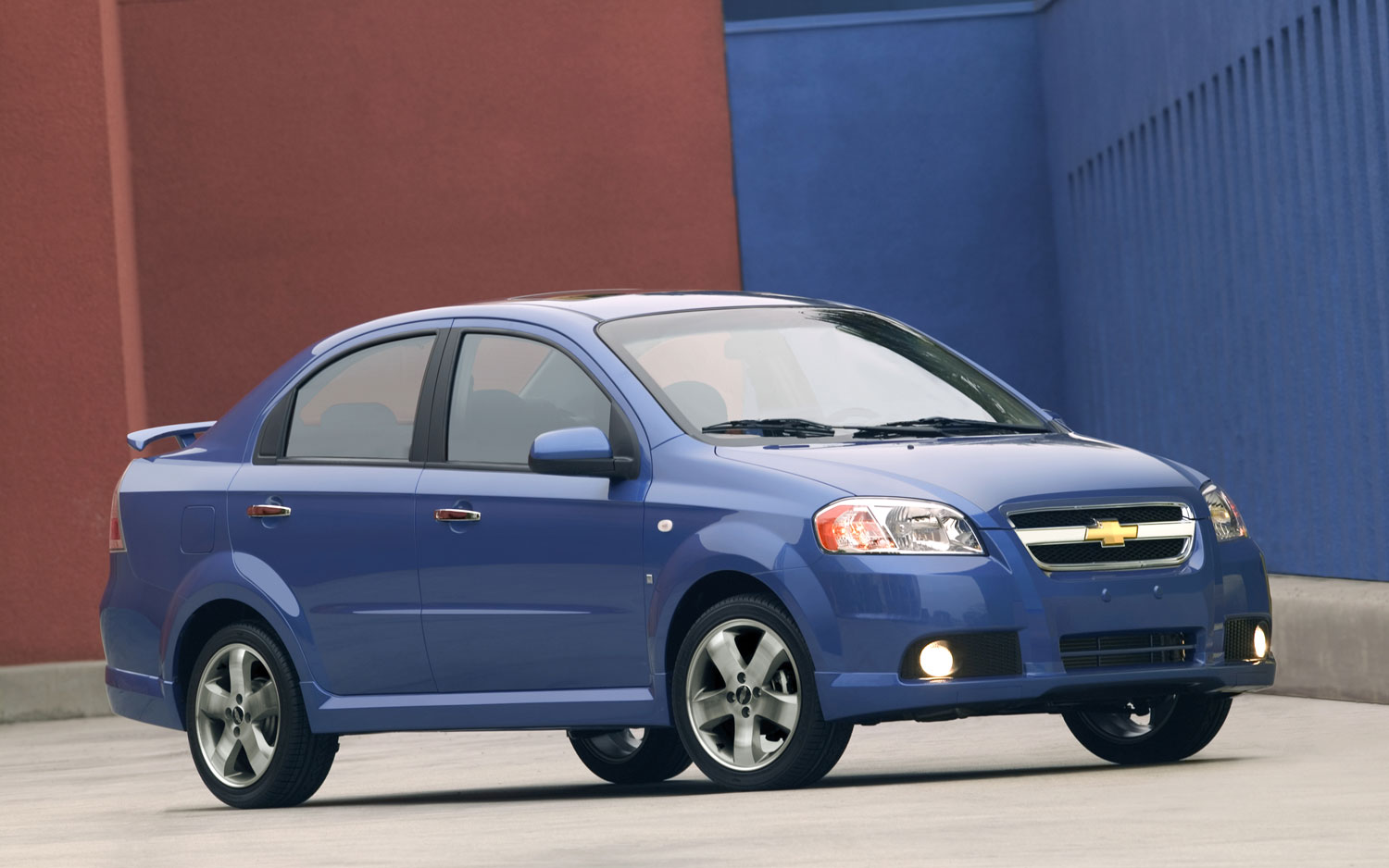 https://enthusiastnetwork.s3.amazonaws.com/uploads/sites/5/2014/05/2007-chevrolet-aveo-front-three-quarter.jpg?impolicy=entryimage