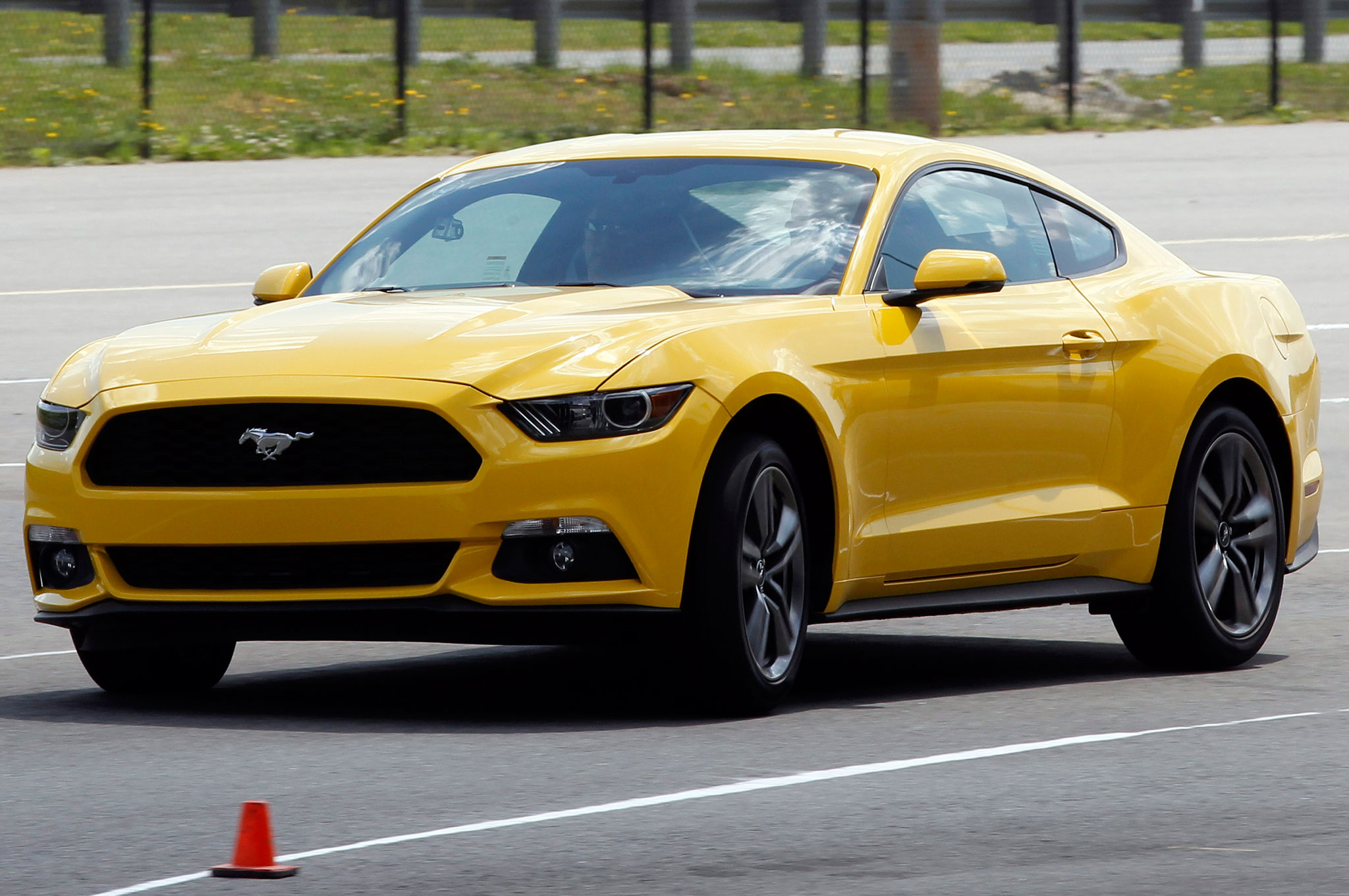 Ford Mustang 2.3 Ecoboost Yellow