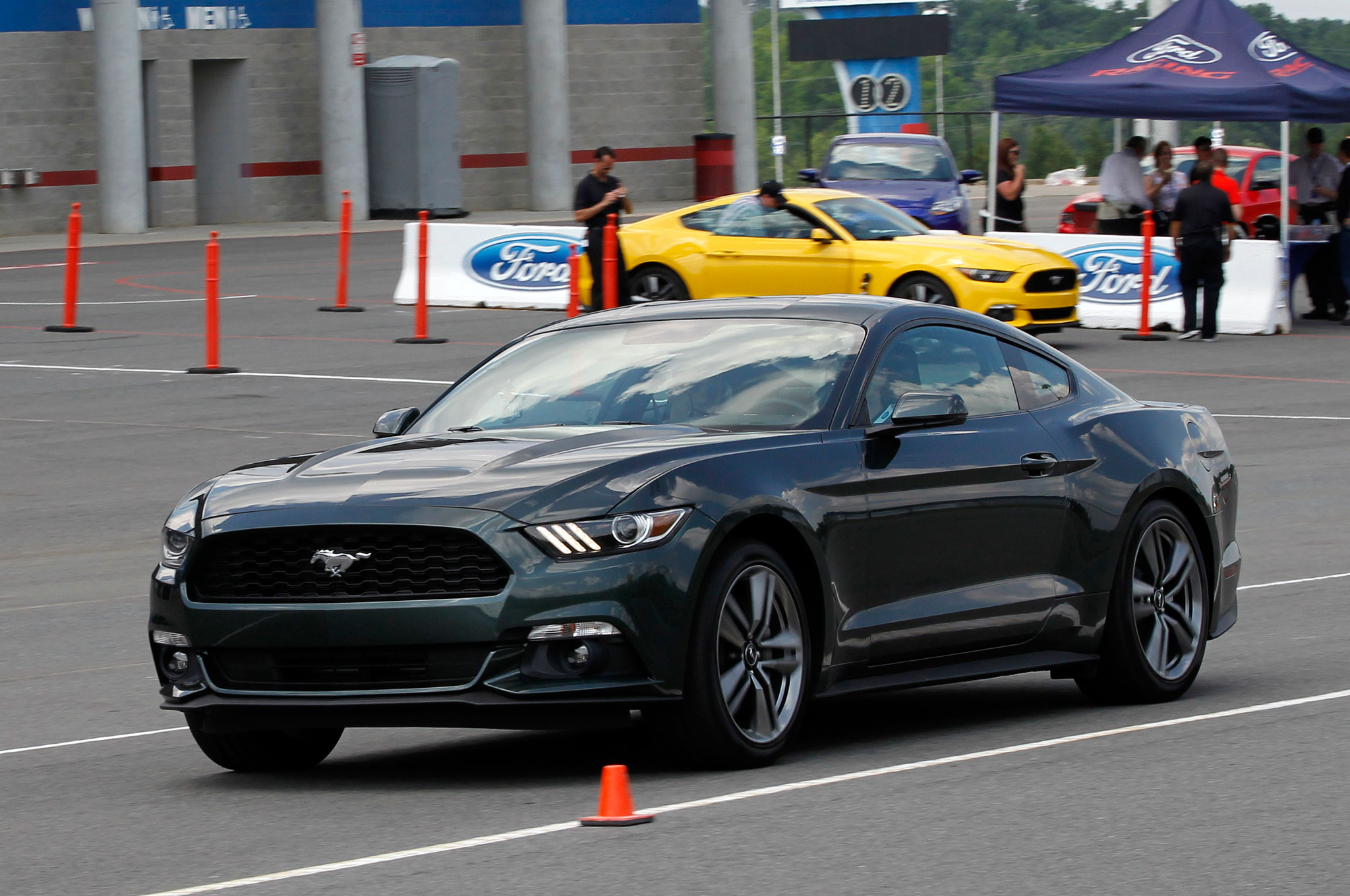 2015 Mustang Ecoboost >> 2015 Ford Mustang Ecoboost 2 3 First Ride Motor Trend