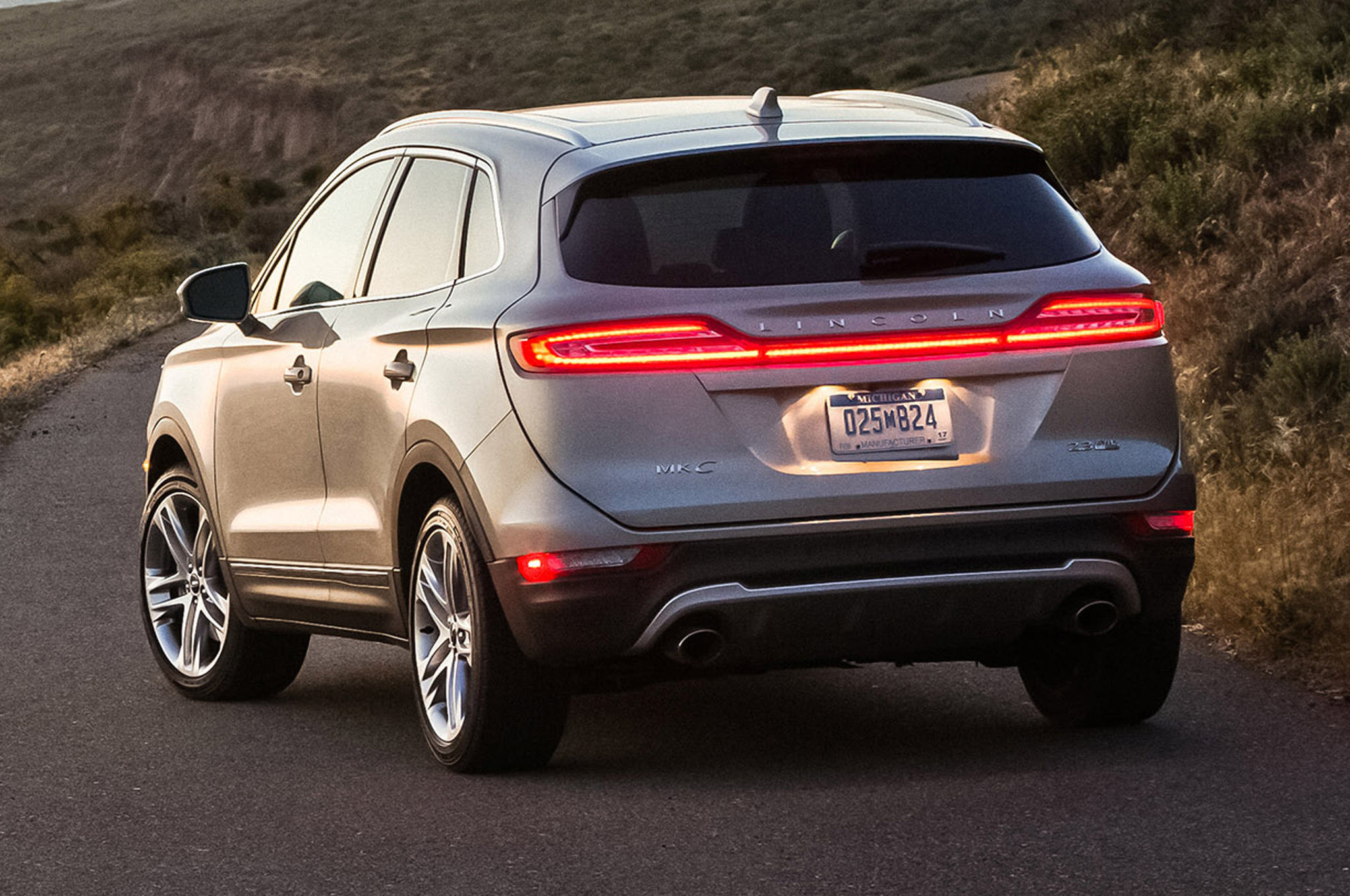 2015 Lincoln MKC First Drive - Motor Trend