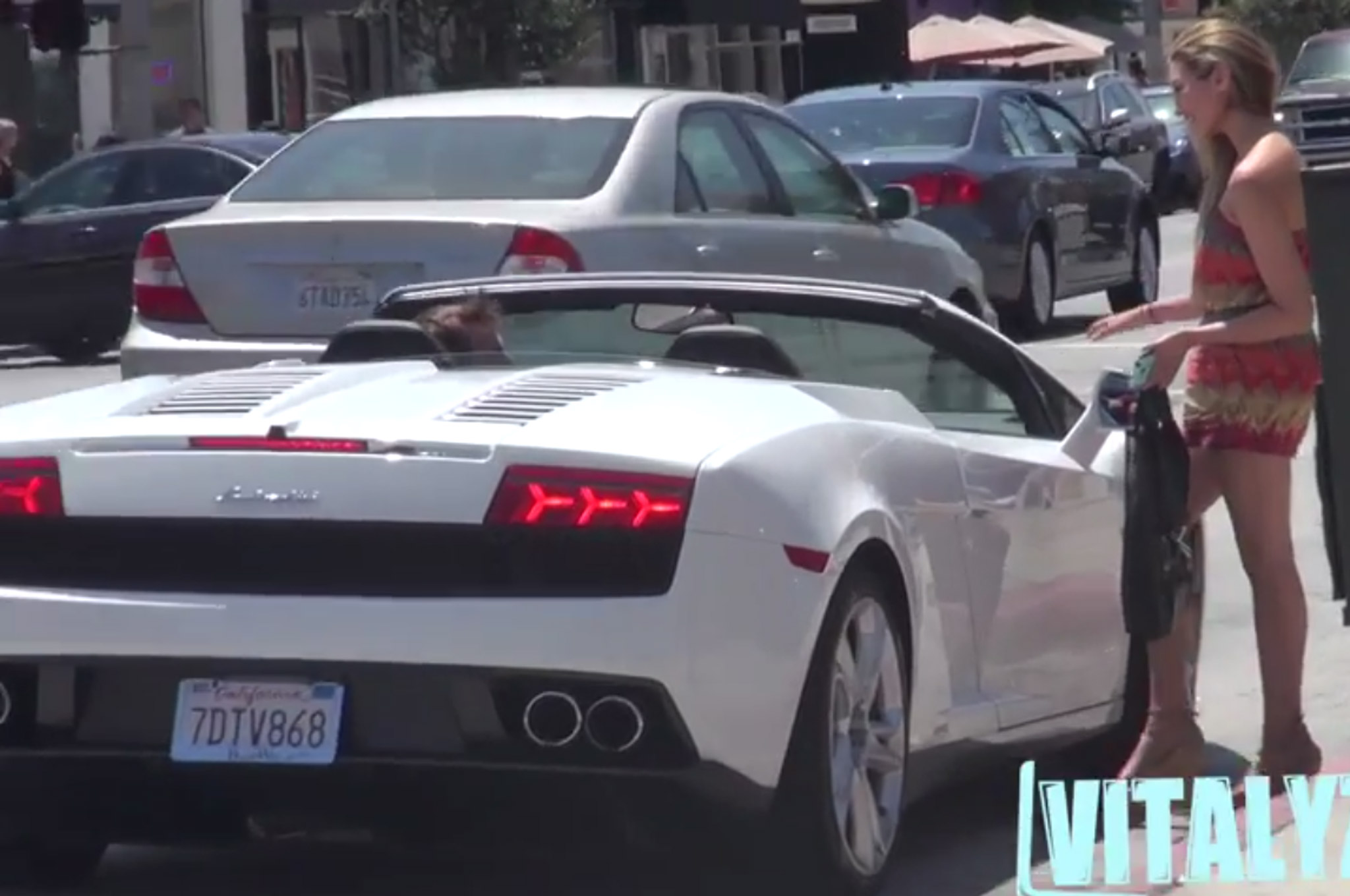 Watch a Creepy Dude Attempt to Pick Up Women in a Lambo