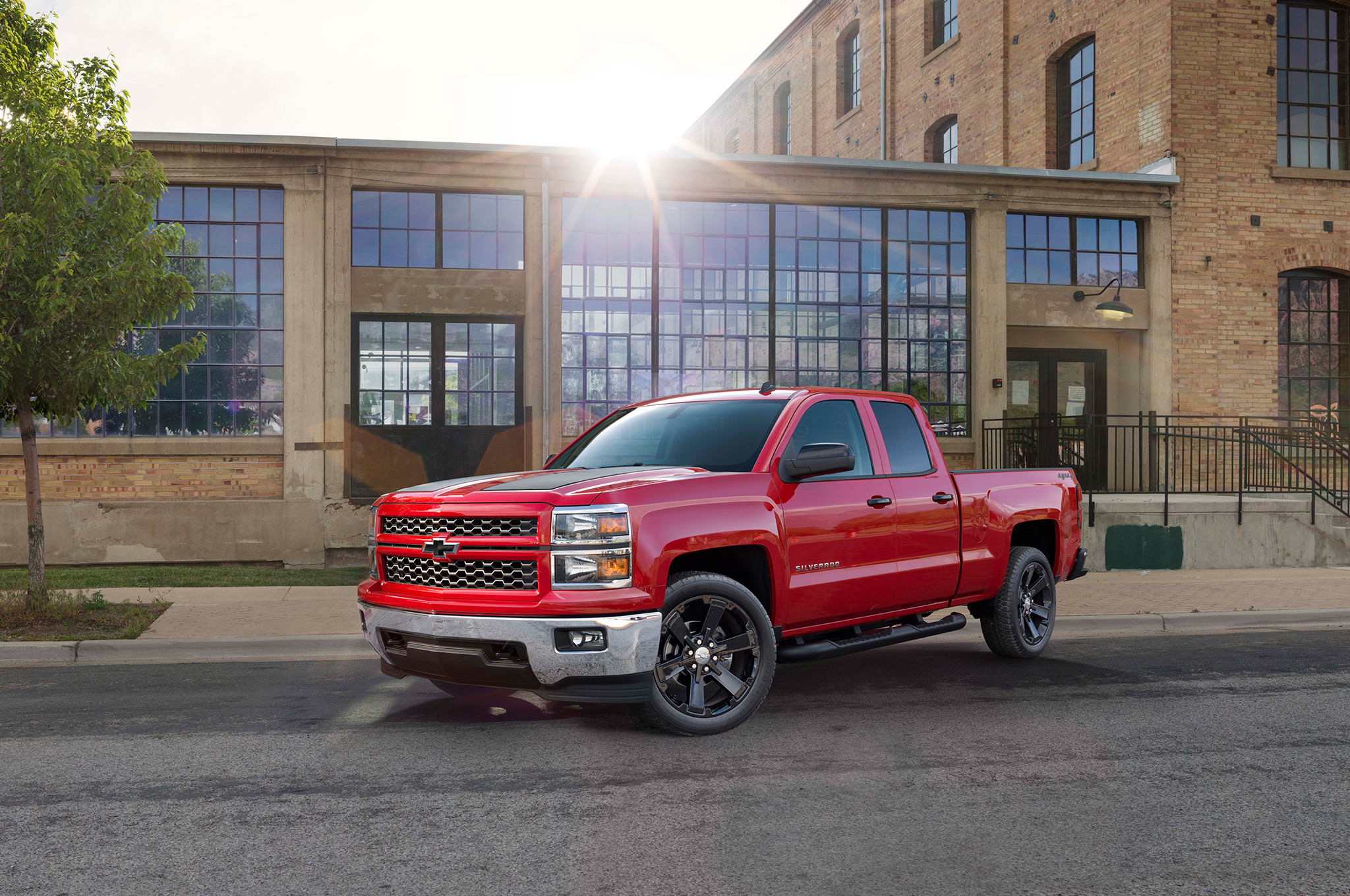 2015 Chevrolet Silverado Adds Rally Edition Appearance Package