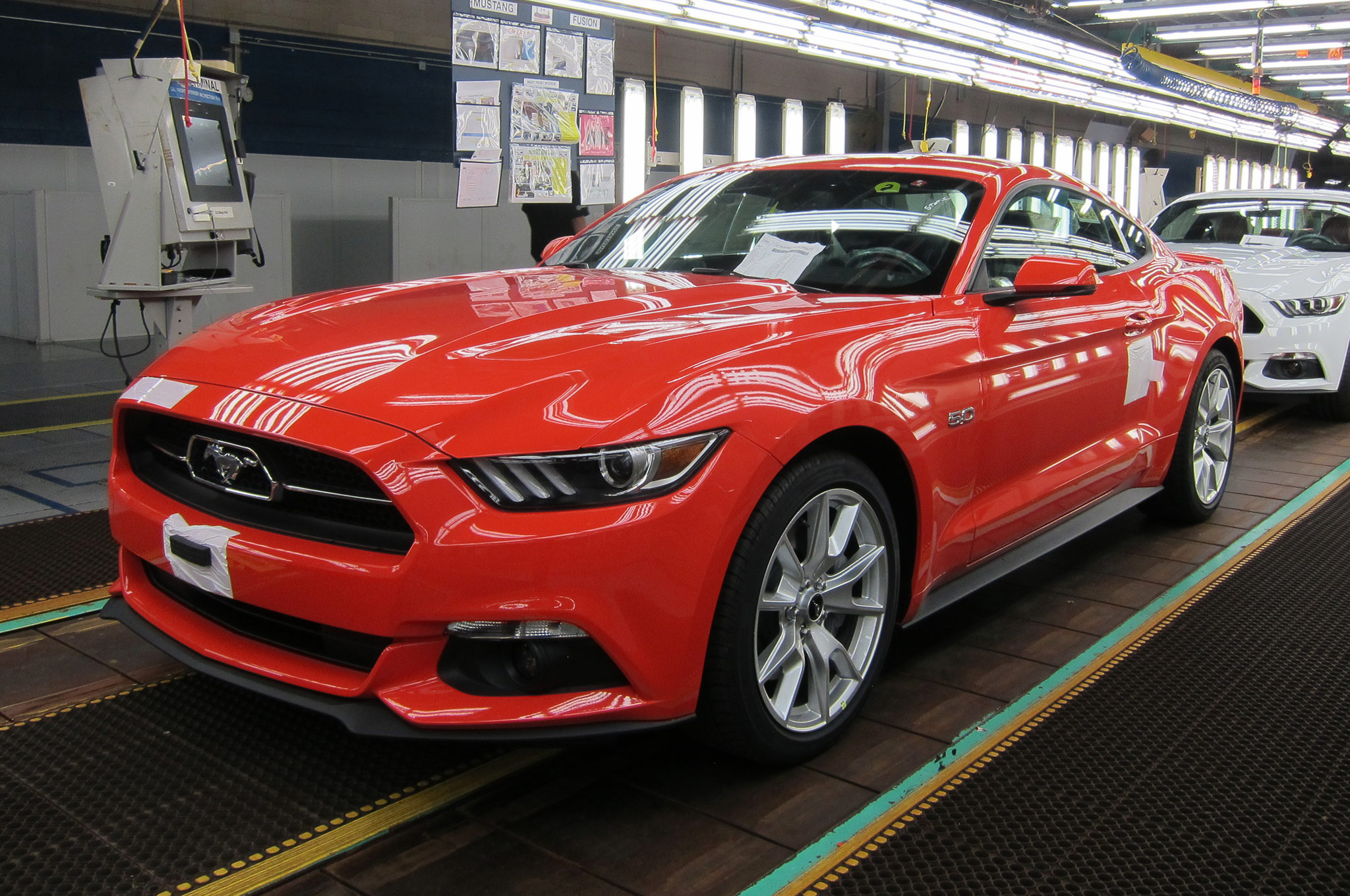 2015 Ford Mustang Enters Production